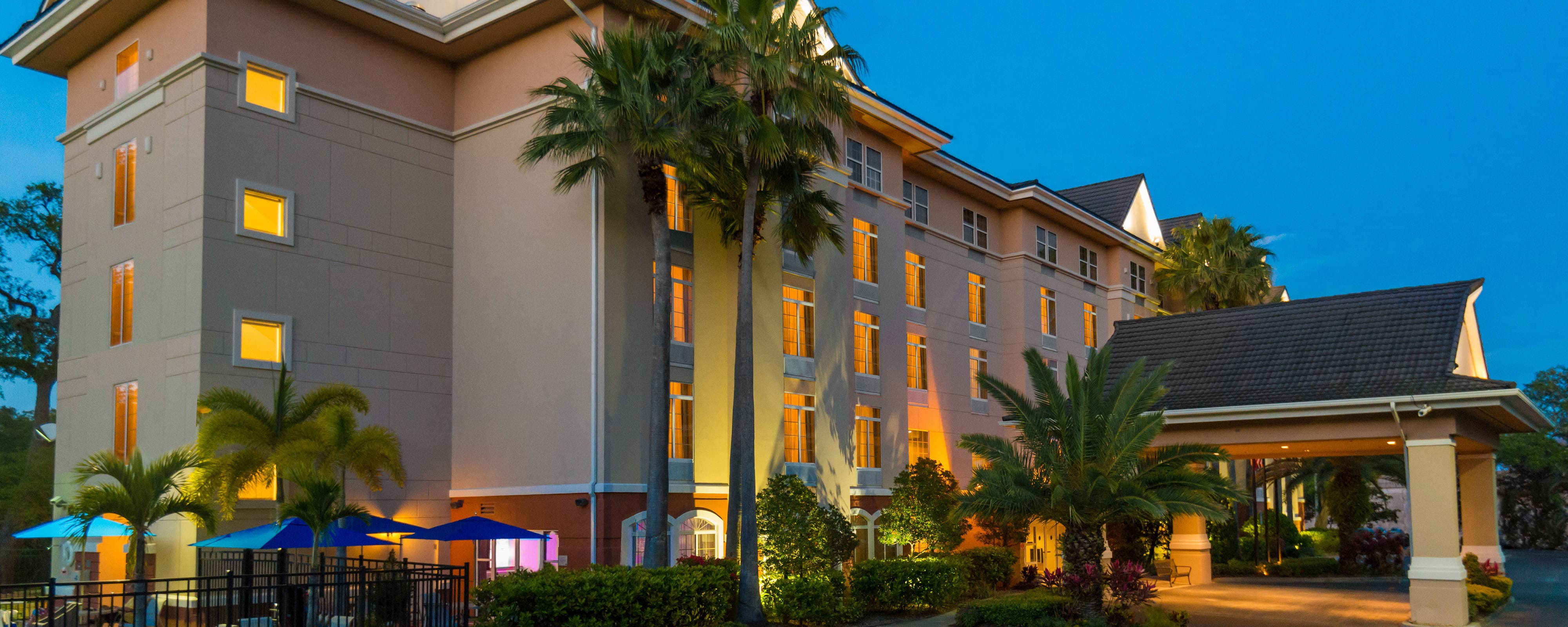 Fairfield Inn & Suites Clearwater hotel exterior