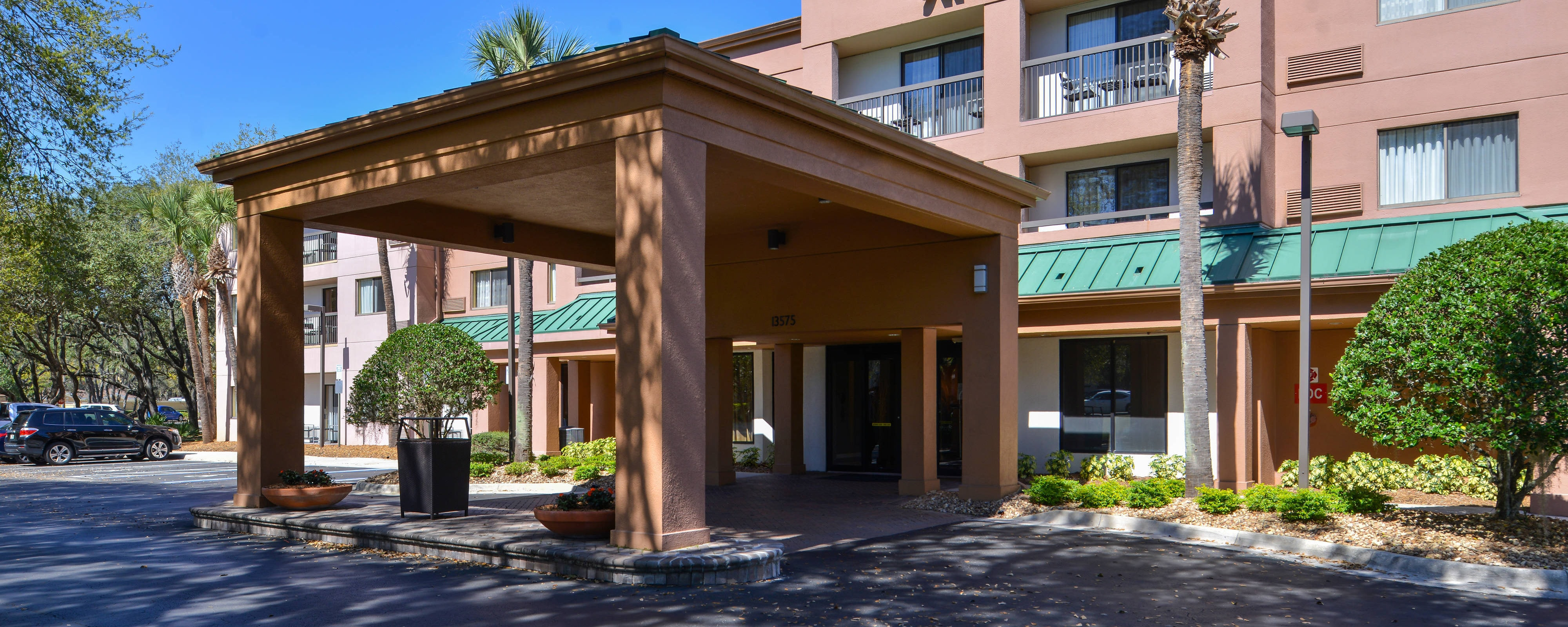Hotels near Busch Gardens | Courtyard Tampa North/I-75 Fletcher