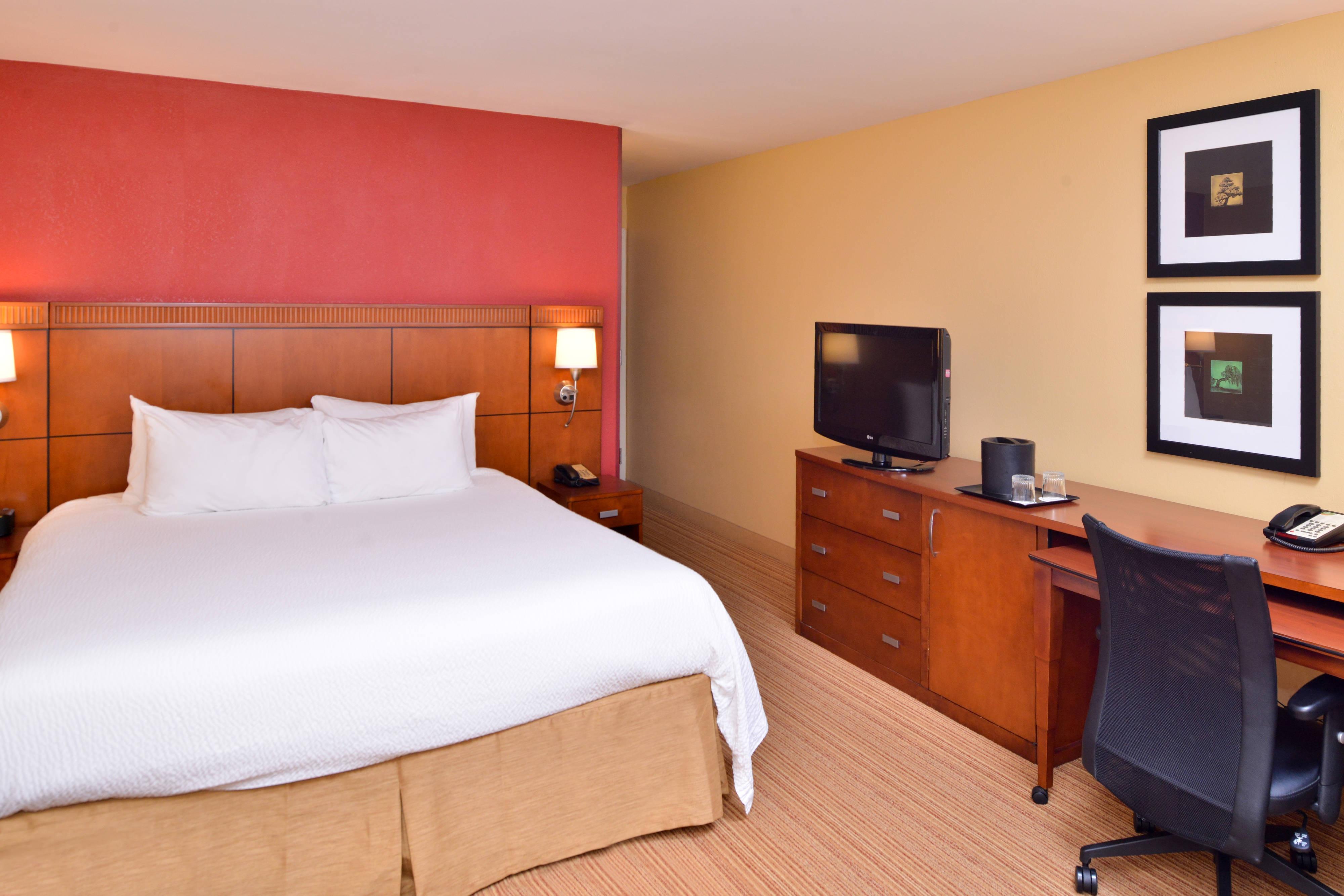 Chambre avec très grand lit double