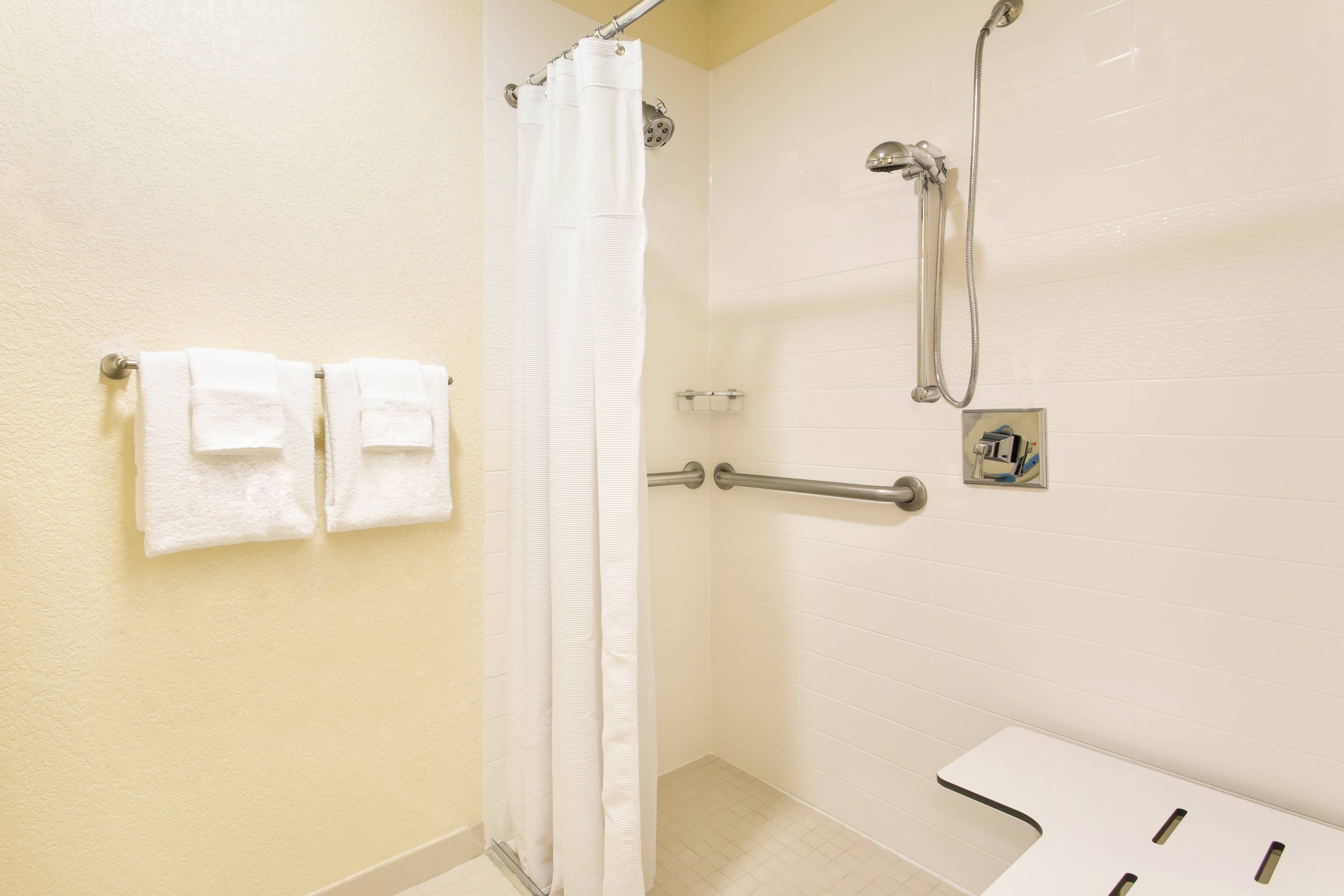 Brandon FL Hotel Accessible Rooms