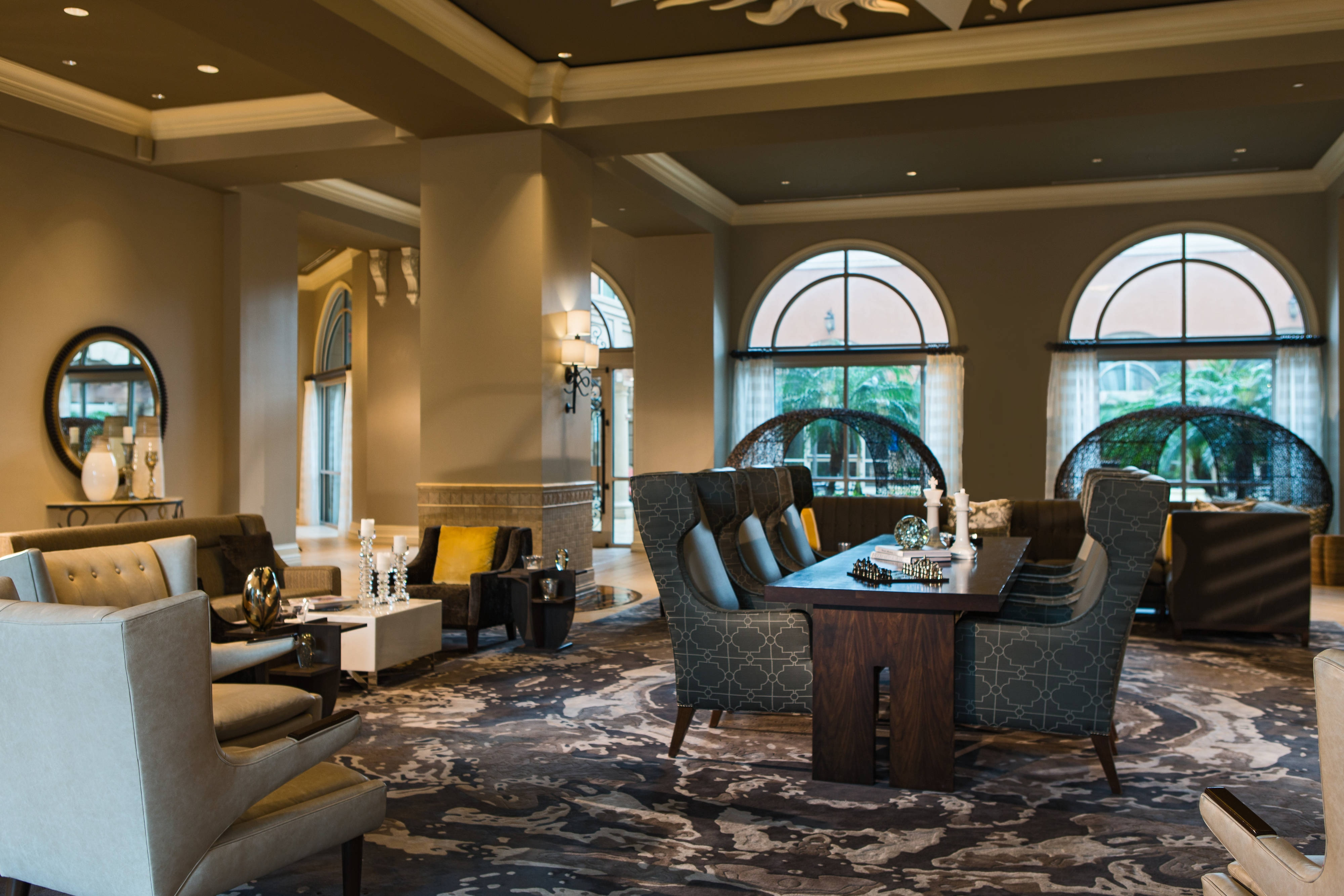 International Plaza hotel Lobby