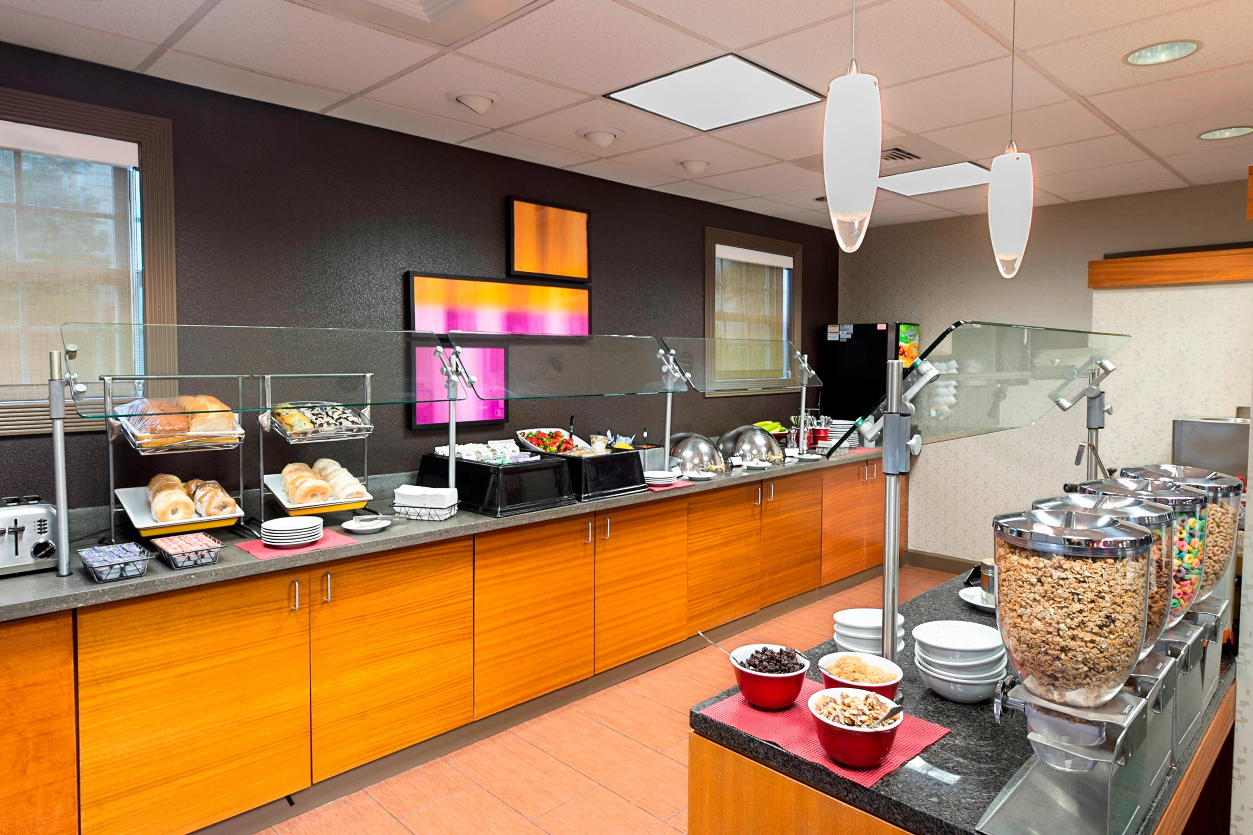 Residence Inn Lakeland complimentary hot breakfast buffet