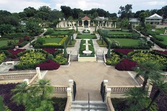 Hollis Garden – Lakeland Courtyard