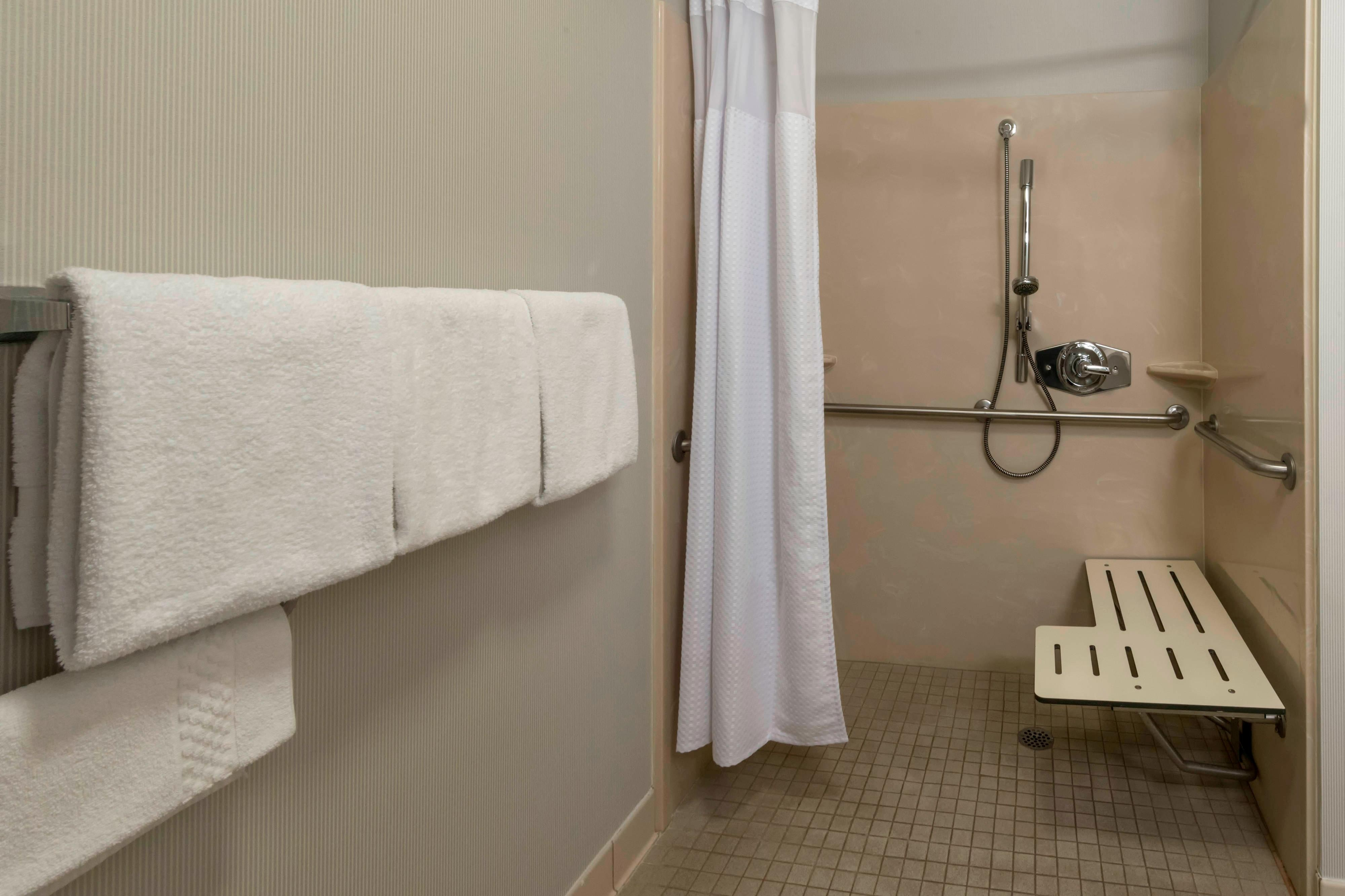 Lakeland Accessible Bathroom