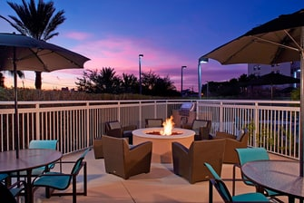 Clearwater hotel with fire pit