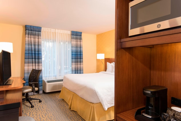 Guest Room with TV, Microwave & Coffeemaker