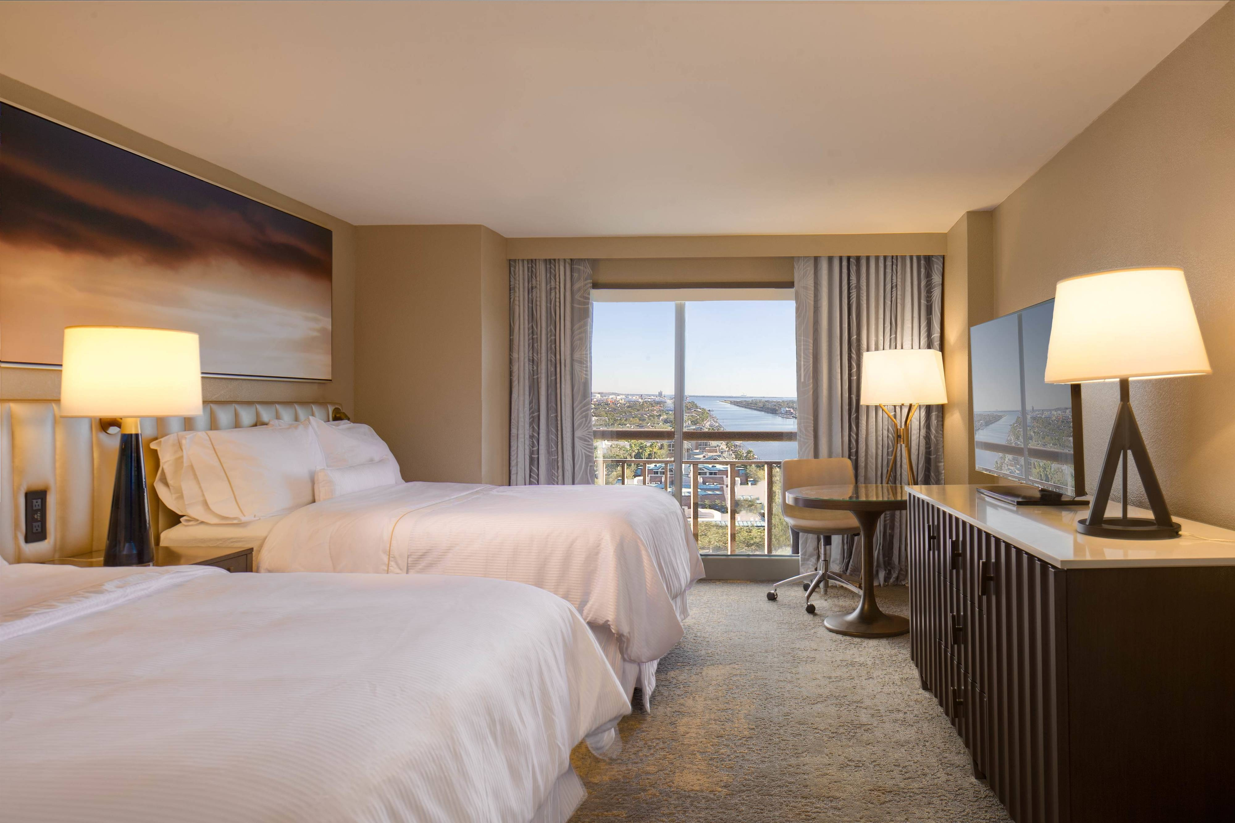 Queen/Queen Waterview Guest Room