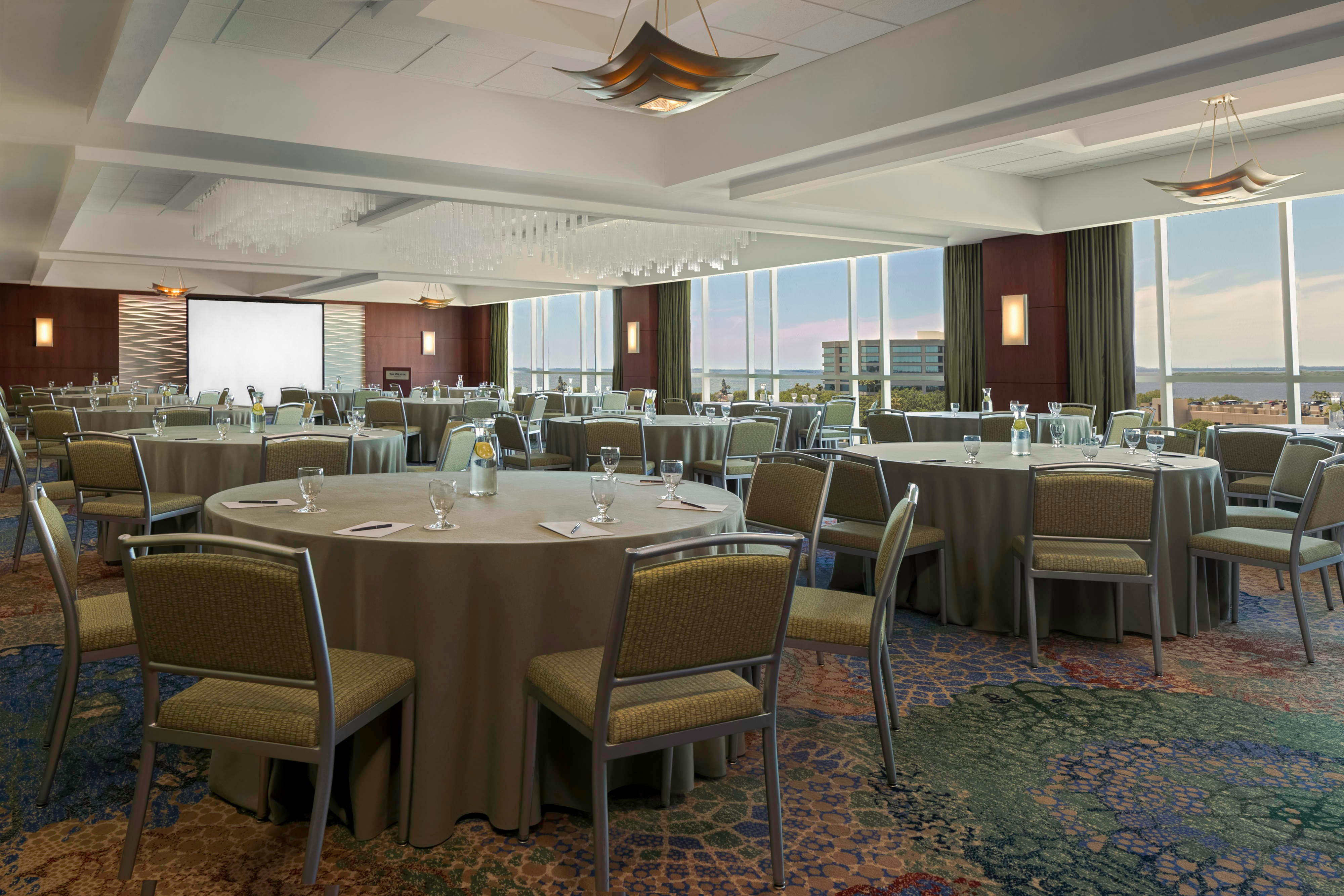 Caribbean Ballroom - Crescent Rounds Setup