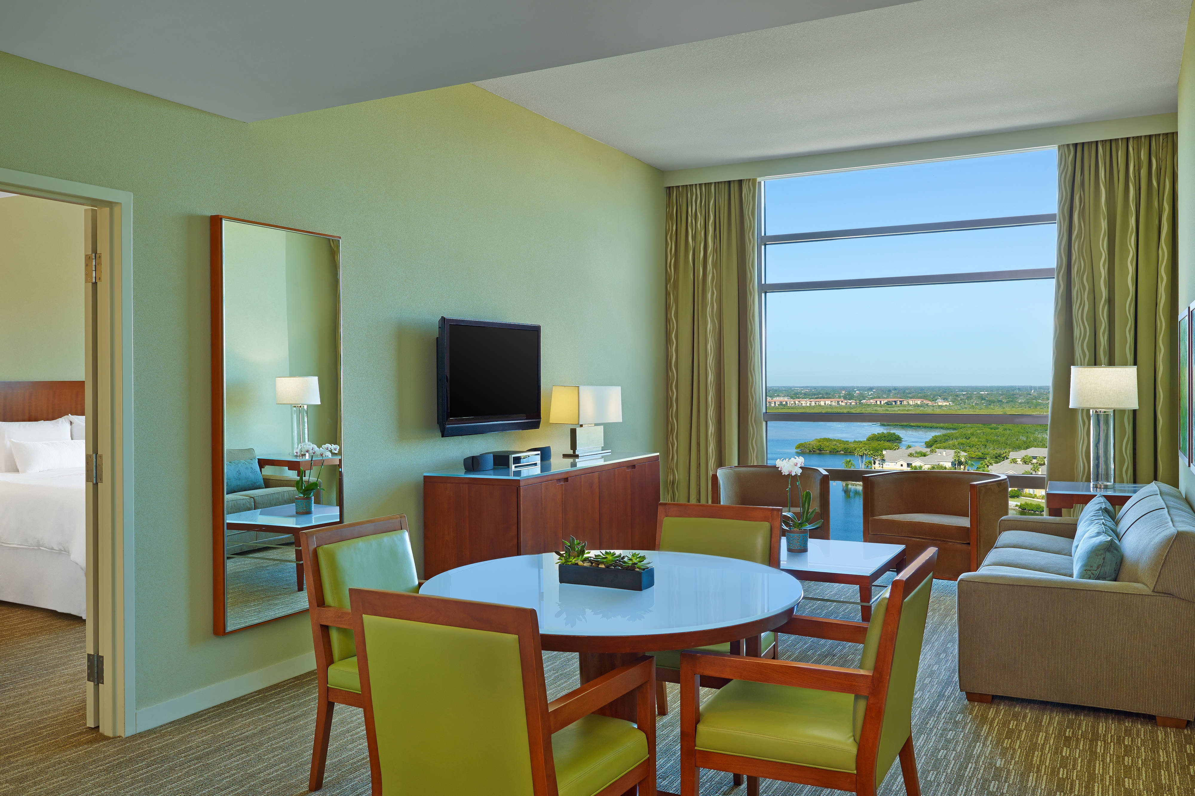 the westin tampa bay hotel amenities hotel room highlights. Black Bedroom Furniture Sets. Home Design Ideas