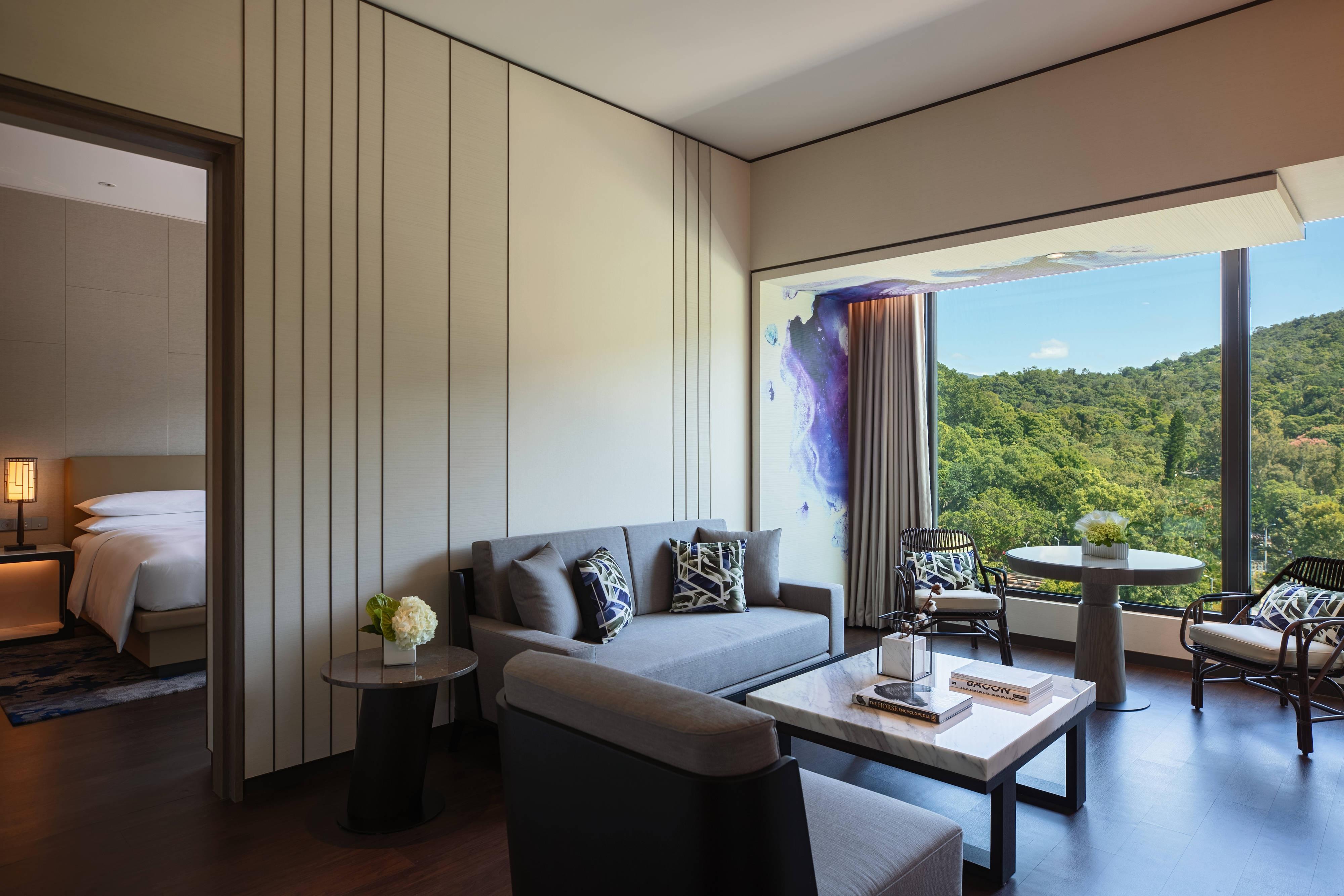 Renaissance Suite - Living Room