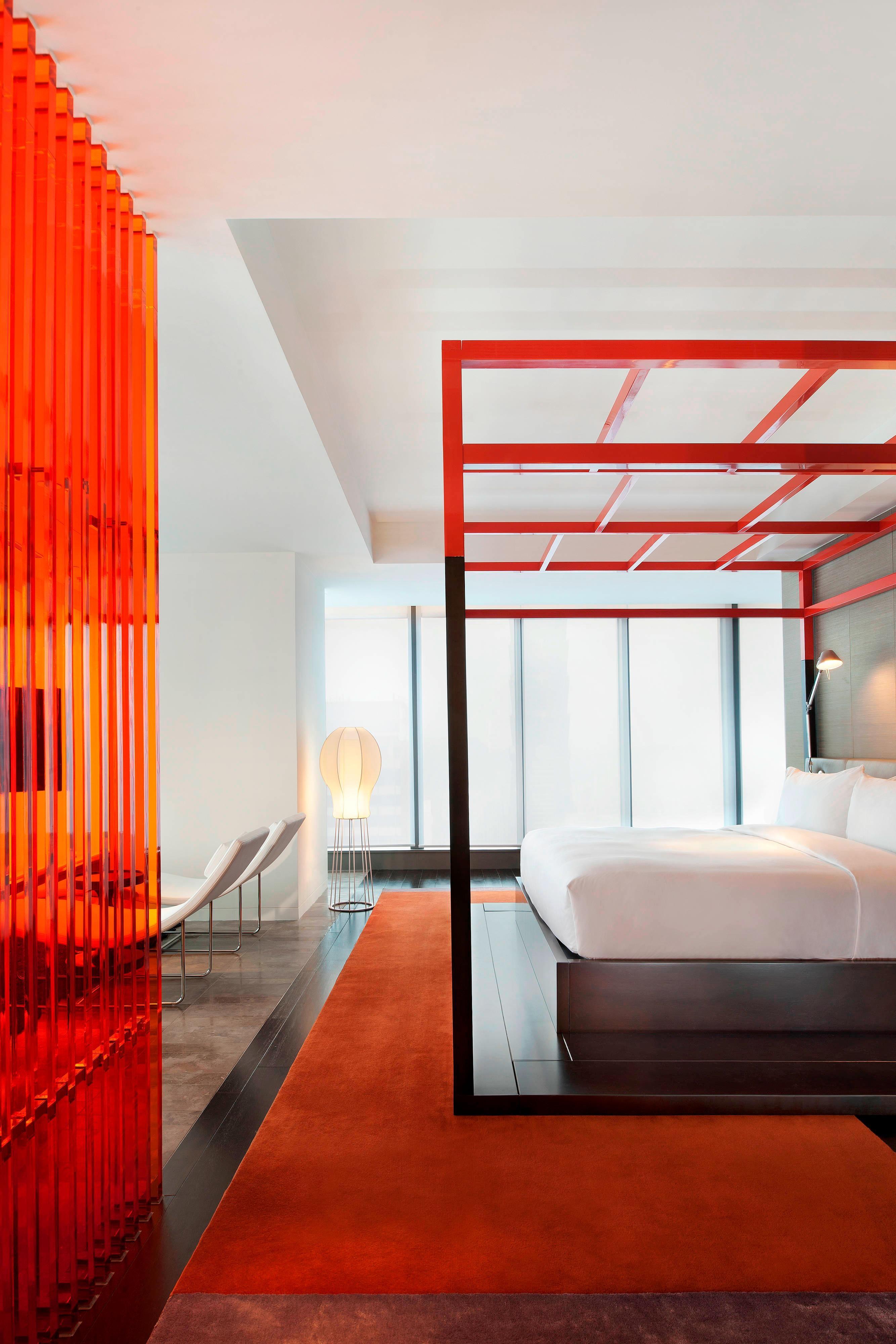 WOW Suite─Bedroom