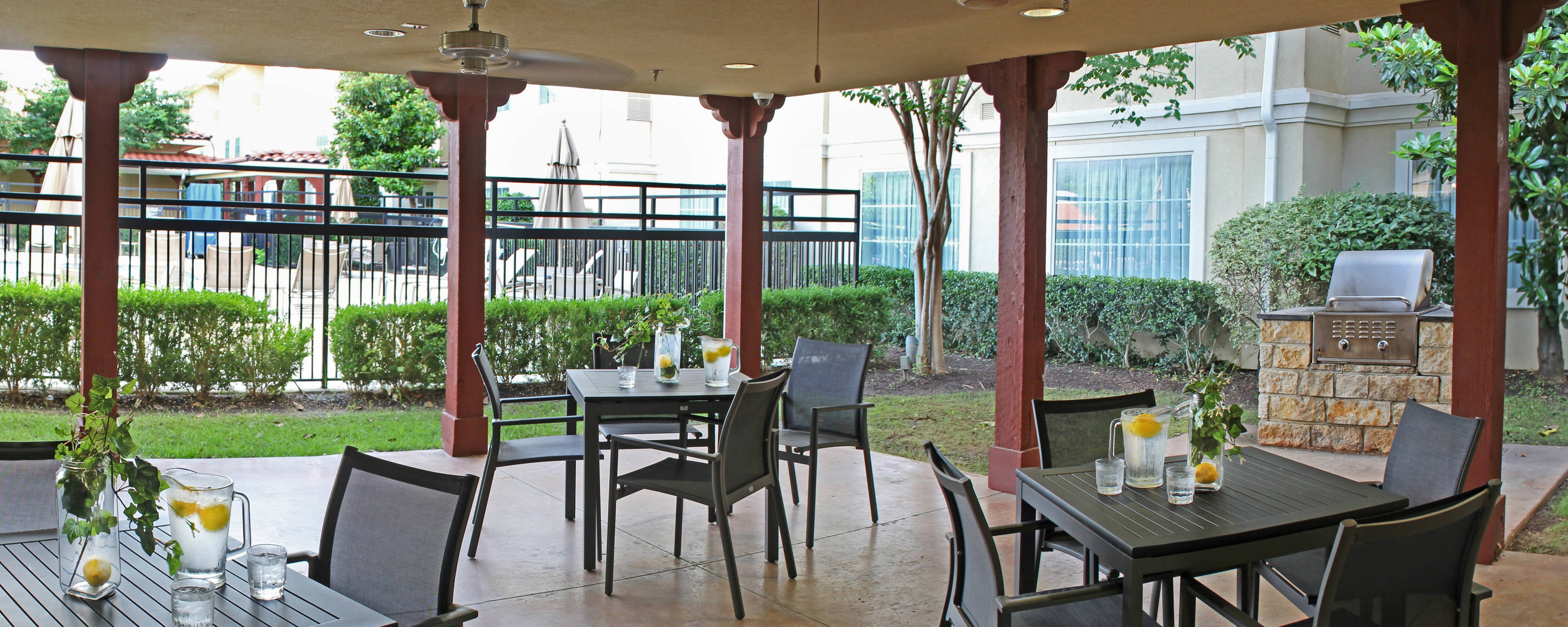 Temple Texas Hotel Outdoor Patio & Grill