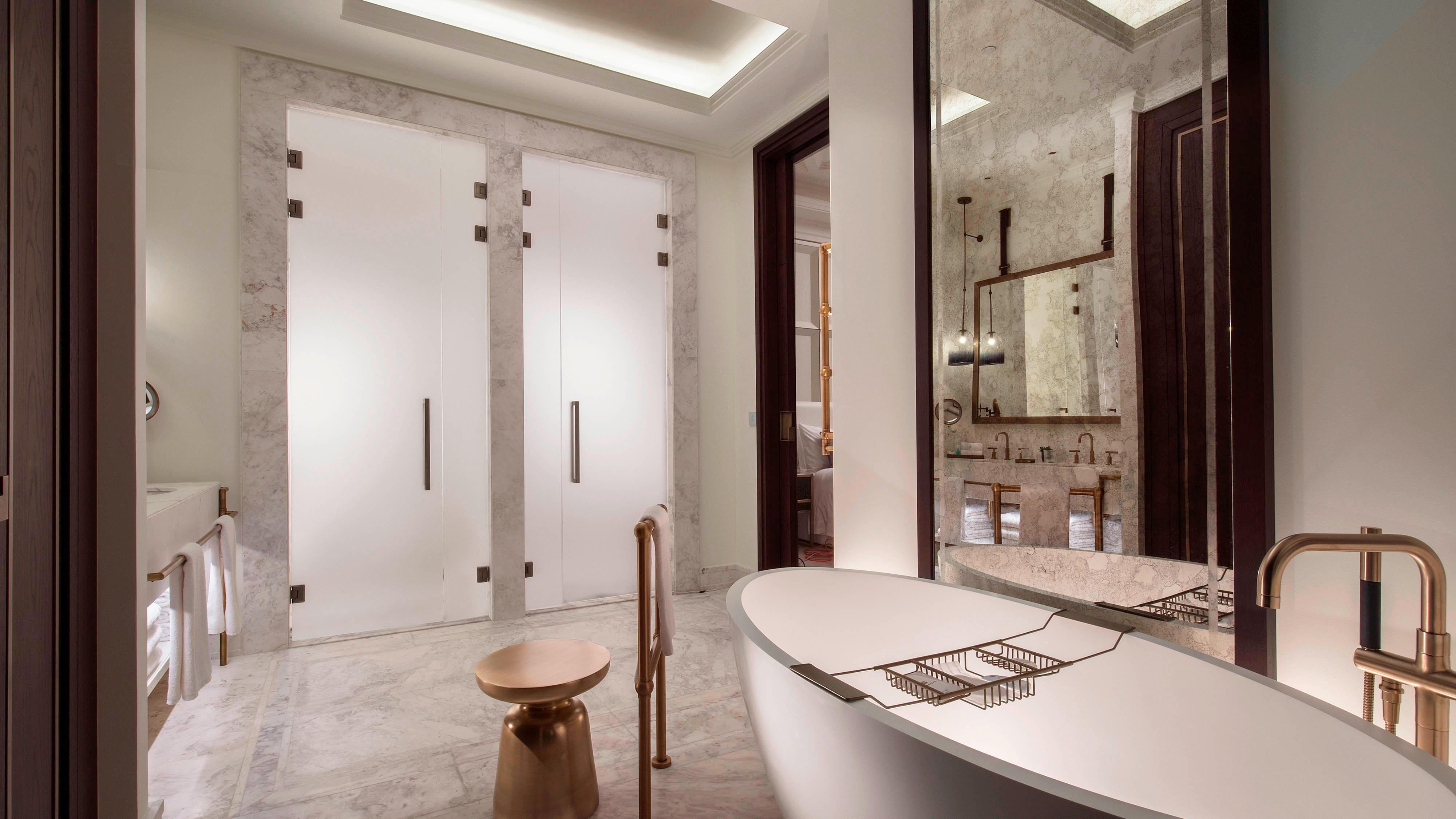 Ванная комната в номере делюкс