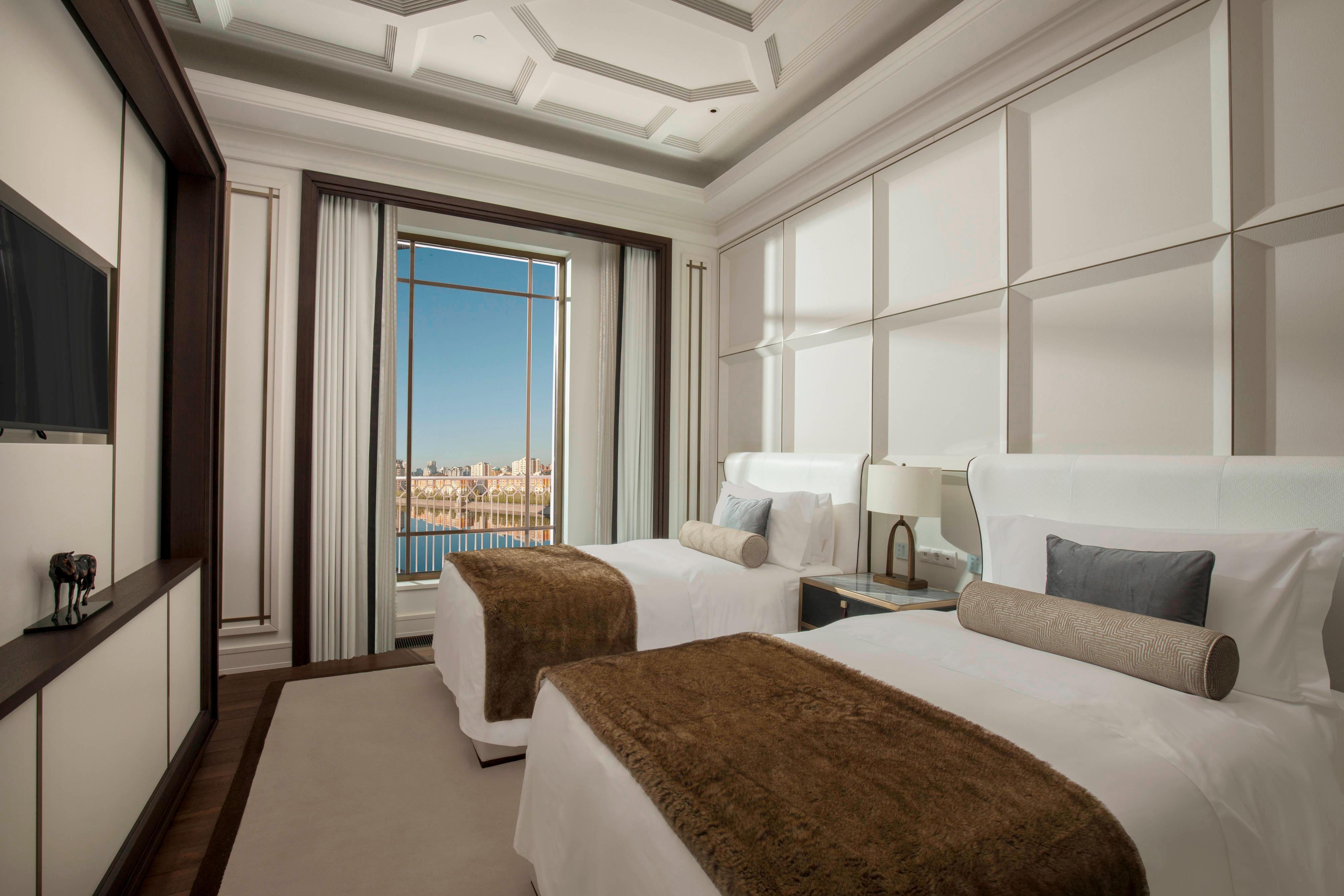 Deluxe Room Twin Bedroom
