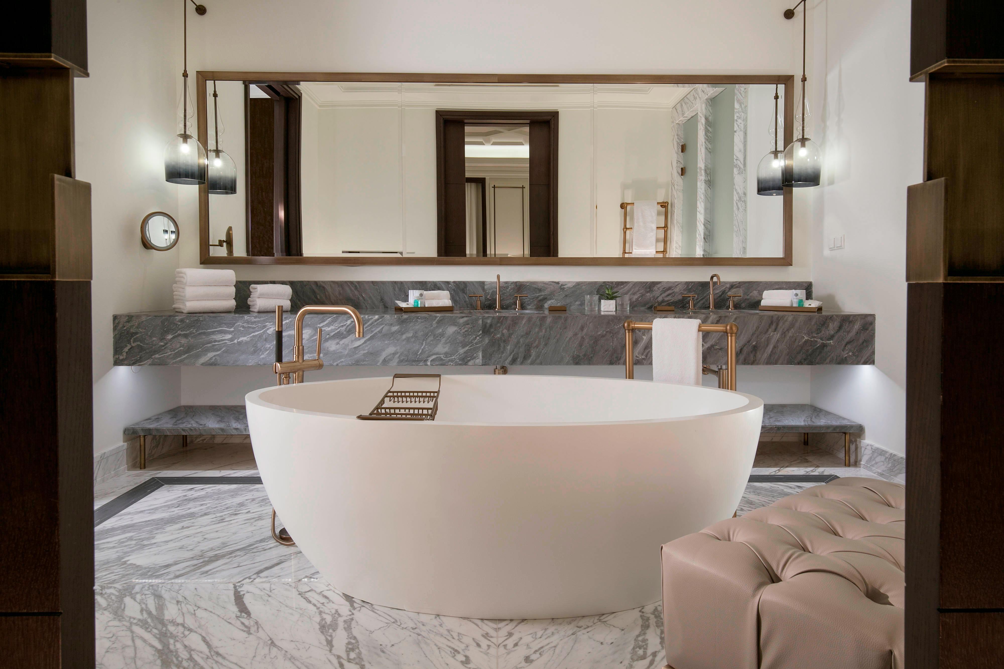 Ванная комната люкса St. Regis