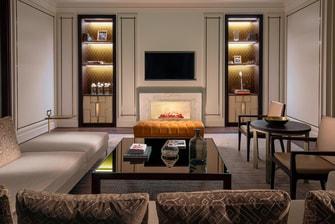 Гостиная в королевском люксе