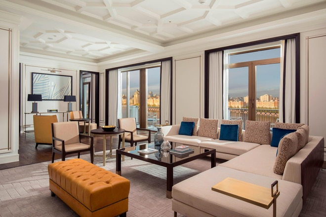Royal Suite - Living Room - View