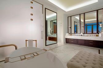 Президентский люкс– ванная комната
