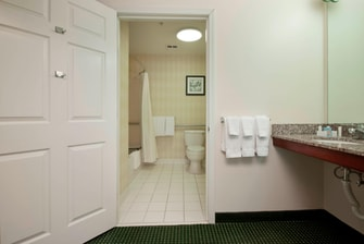 Tulsa Oklahoma Hotel Accessible Bathroom