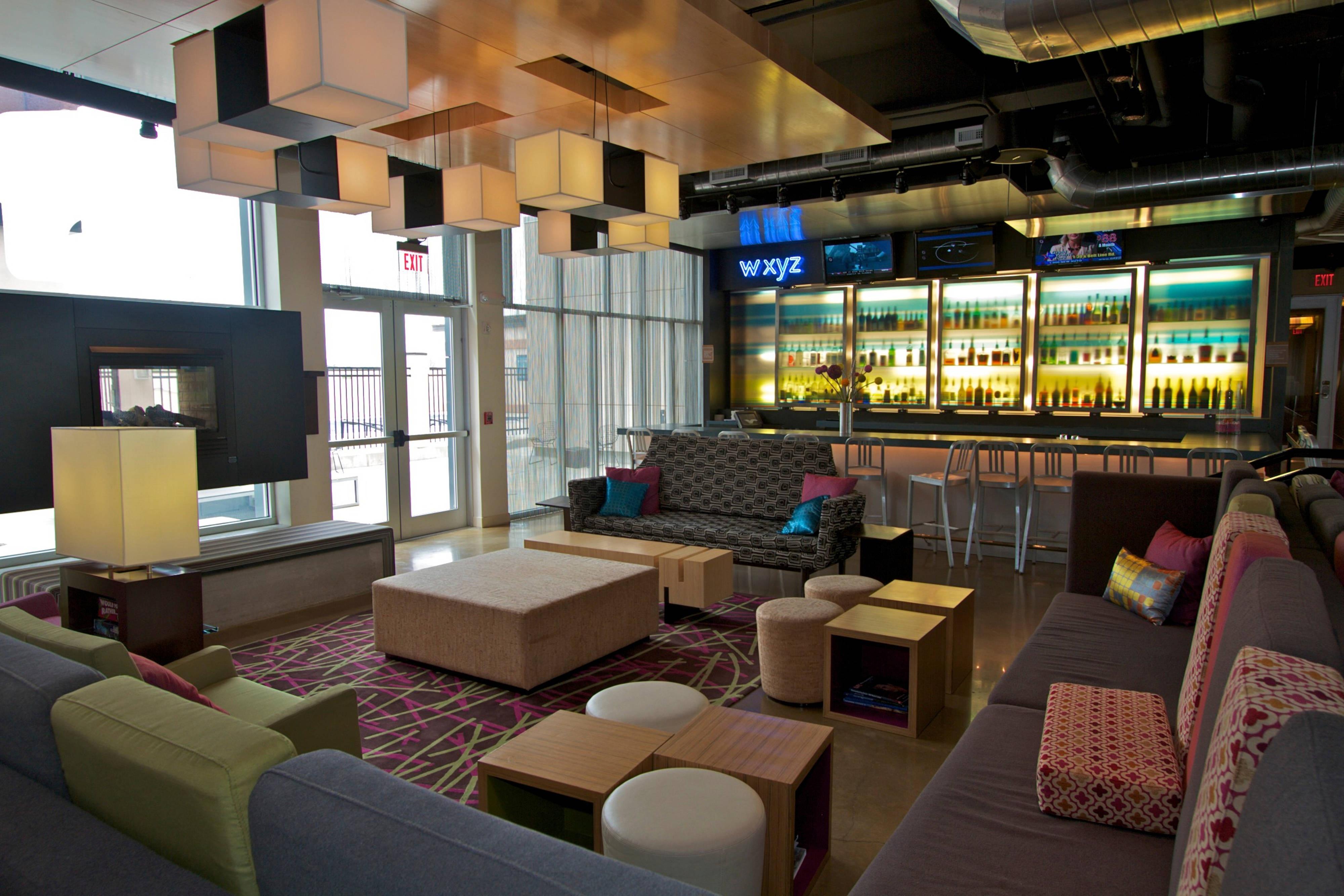 Re:mix lounge/ W XYZ Bar