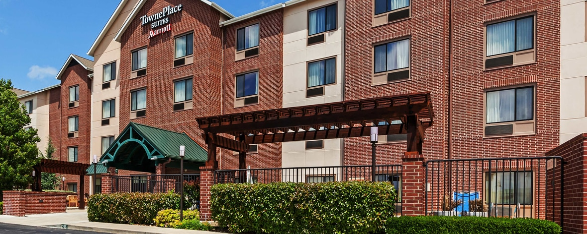 Hotel in Broken Arrow near Bass Pro Shops | TownePlace Suites