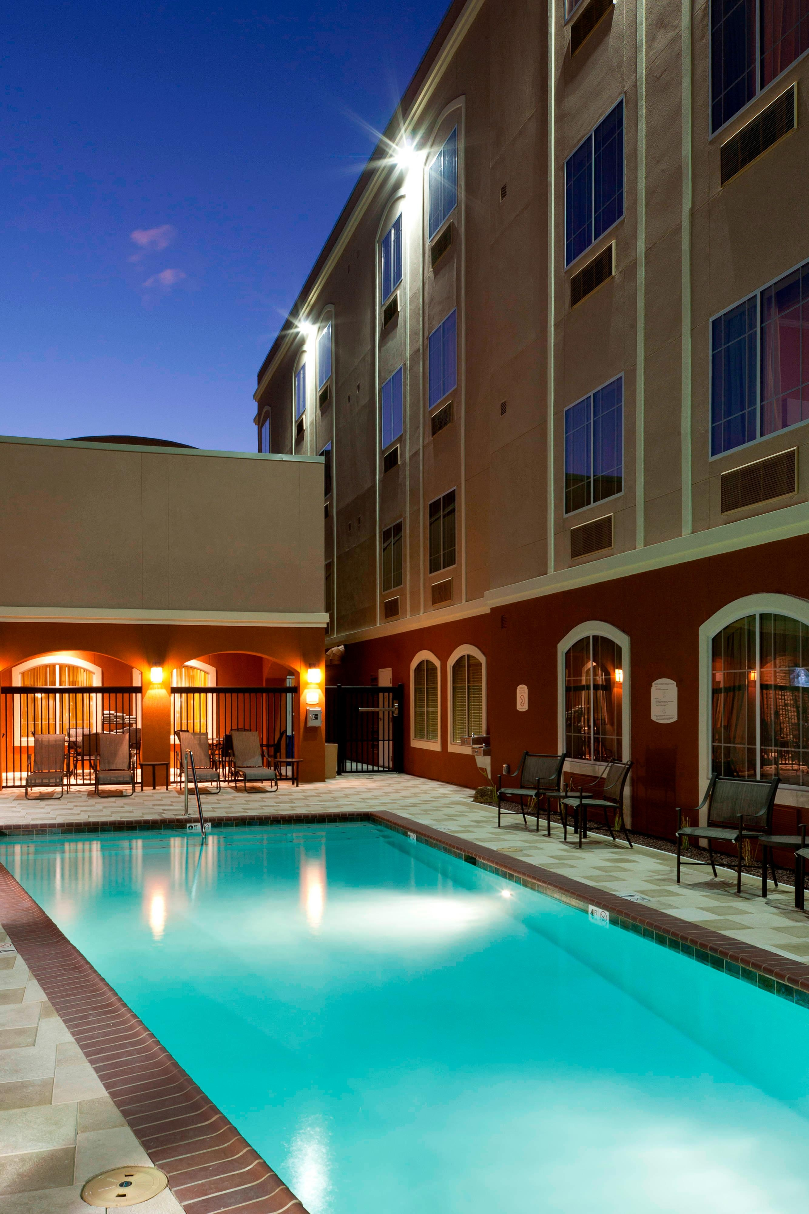 Outdoor Pool - Tucson AZ hotels