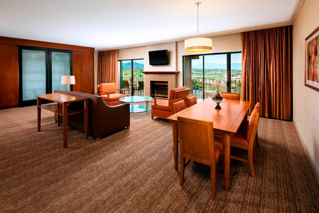 Grand Suite - Parlor - Dining