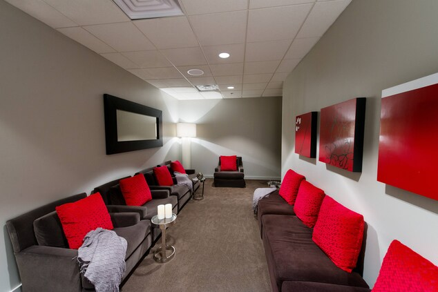 The Red Door Salon y Spa Relax Lounge