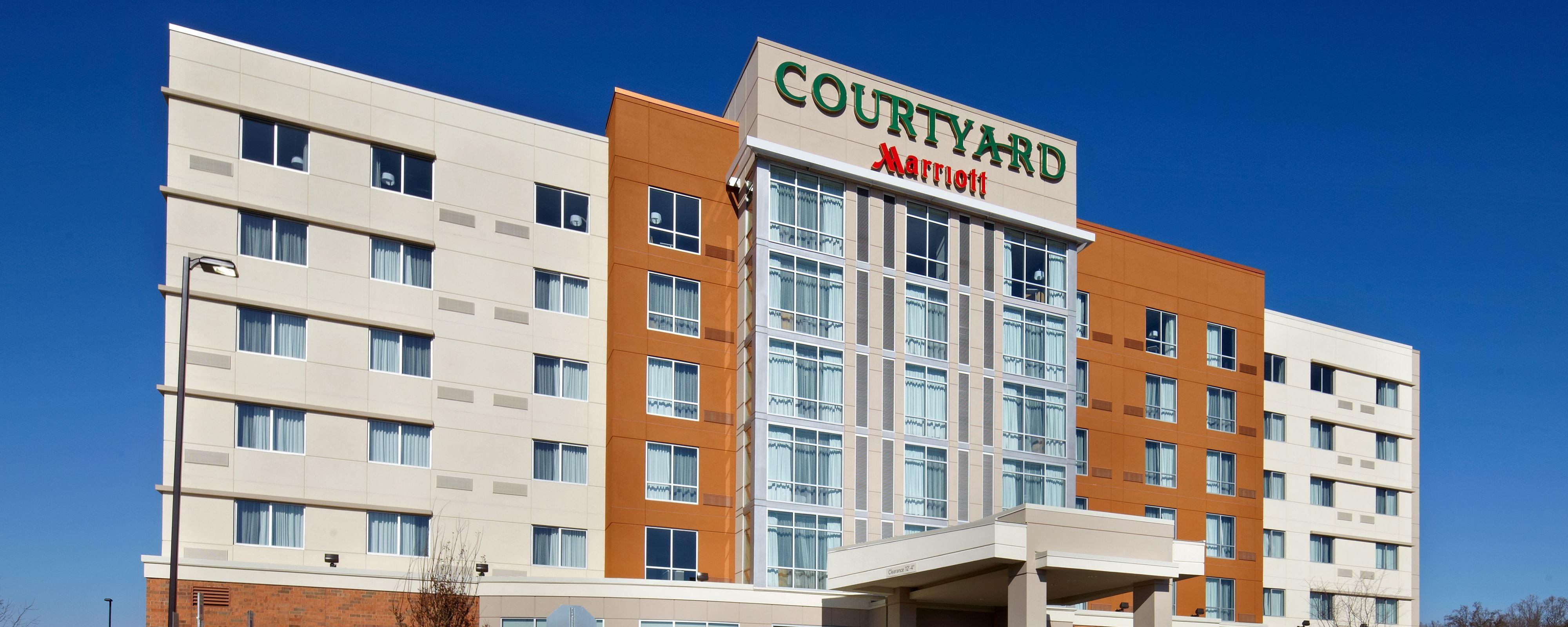 Courtyard Knoxville West Hotel Exterior