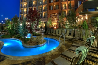 Courtyard Pigeon Forge