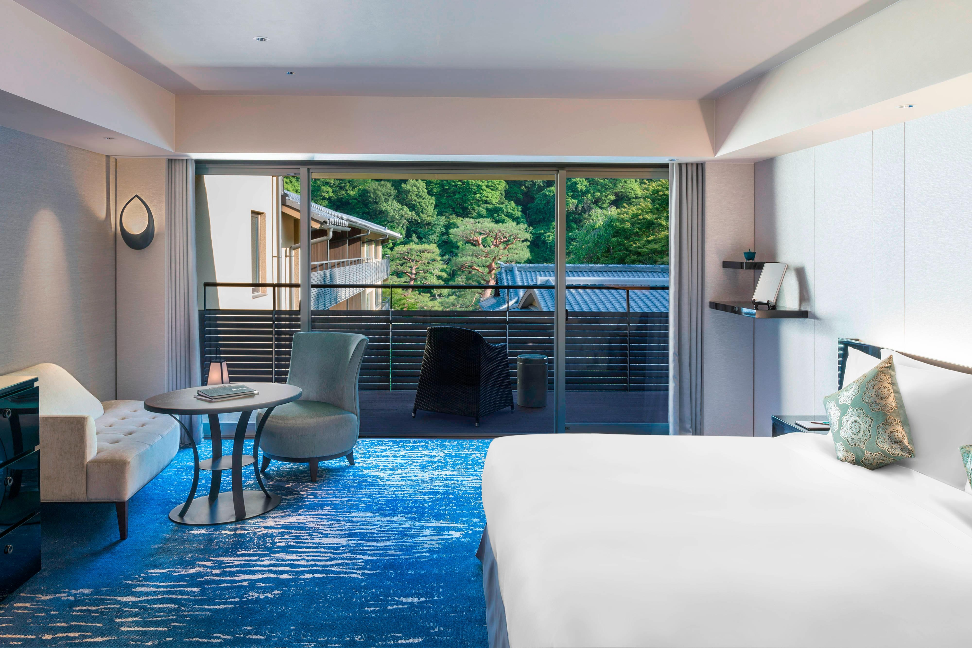 TSUKINONE Superior King Guest Room