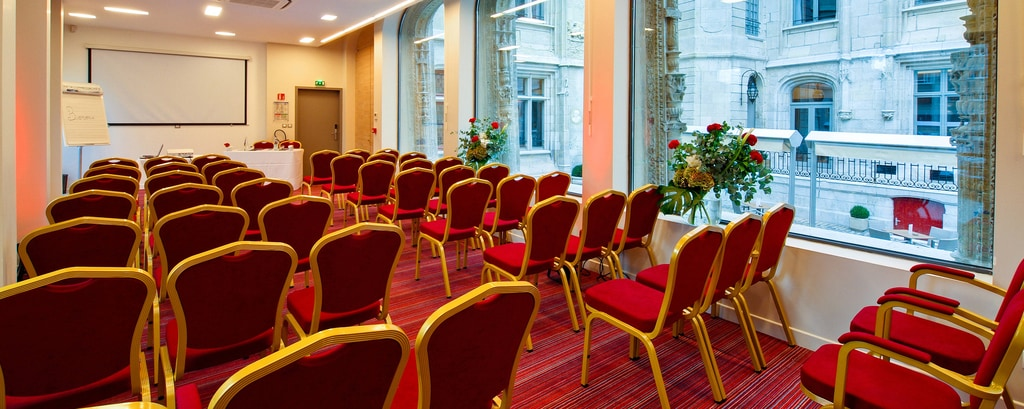 Hotel de Bourgtheroulde - Conseil Meeting Room