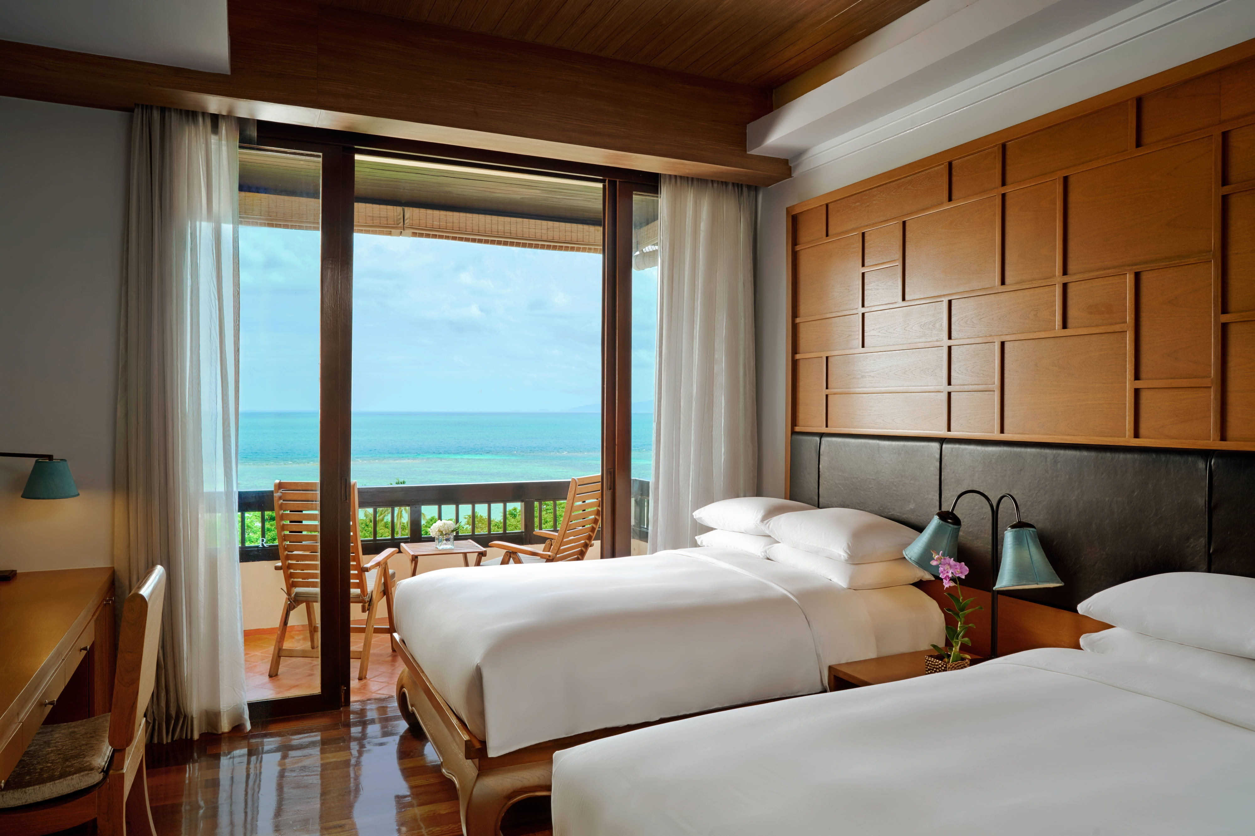 Deluxe Twin/Twin Sea View Guest Room