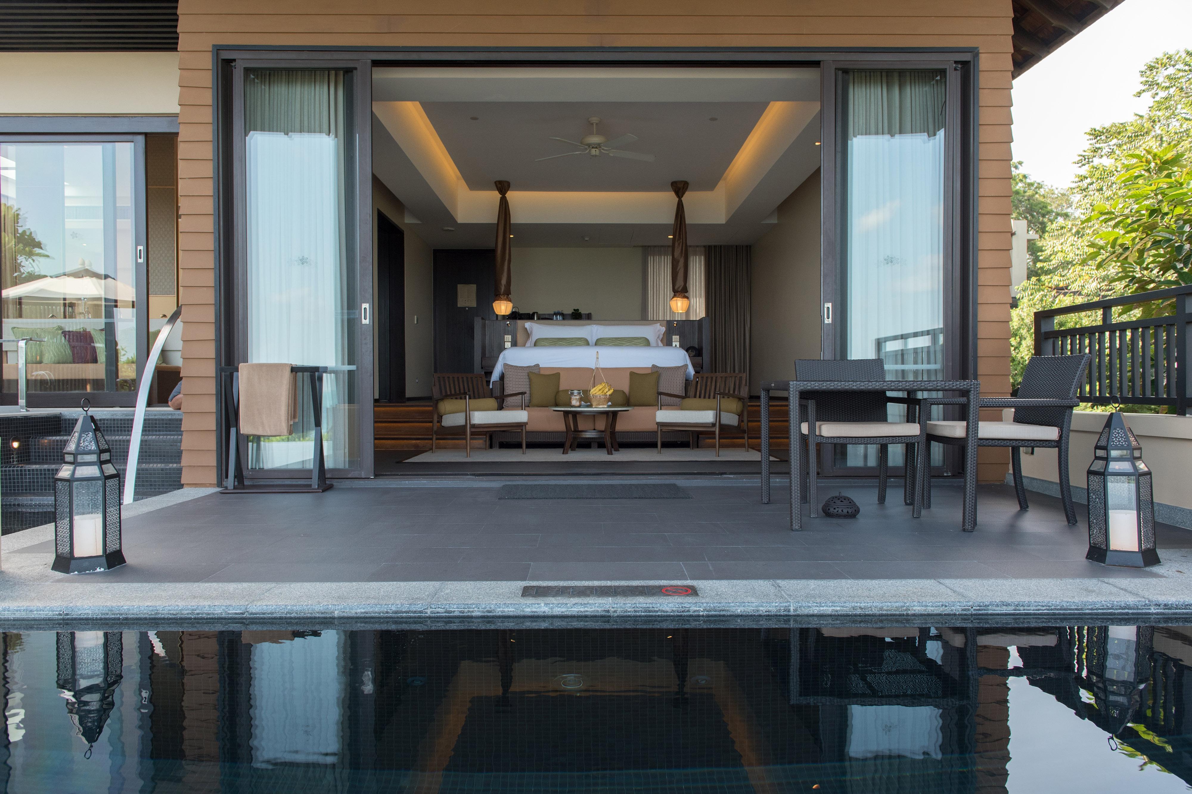 Люкс с видом на океан с двуспальной кроватью (King) и бассейном