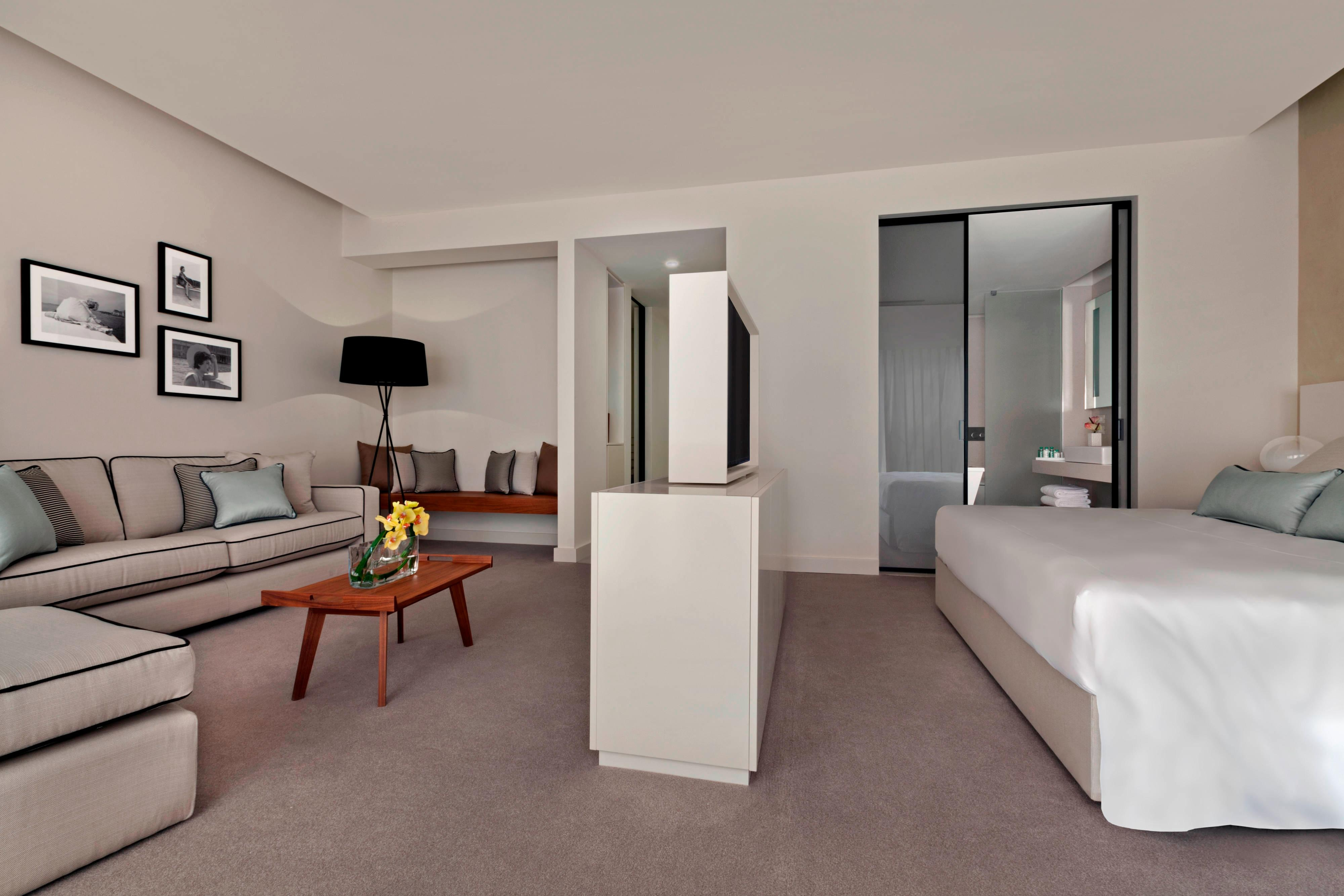 Junior Suite – Living Area