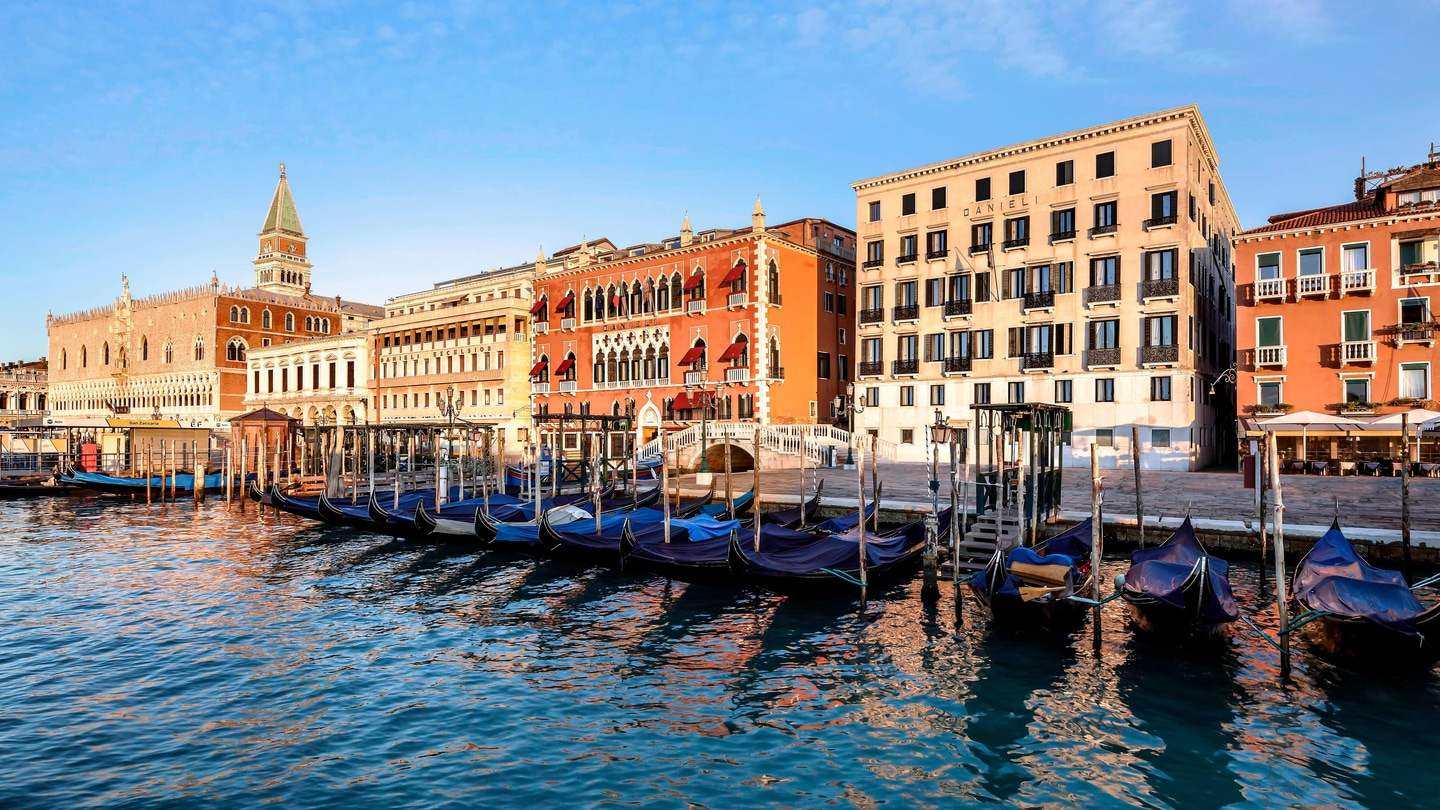Incredible Luxury Hotels Resorts In Venice Hotel Danieli A Luxury Home Remodeling Inspirations Genioncuboardxyz