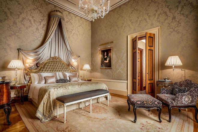 Signature Suite - Bedroom