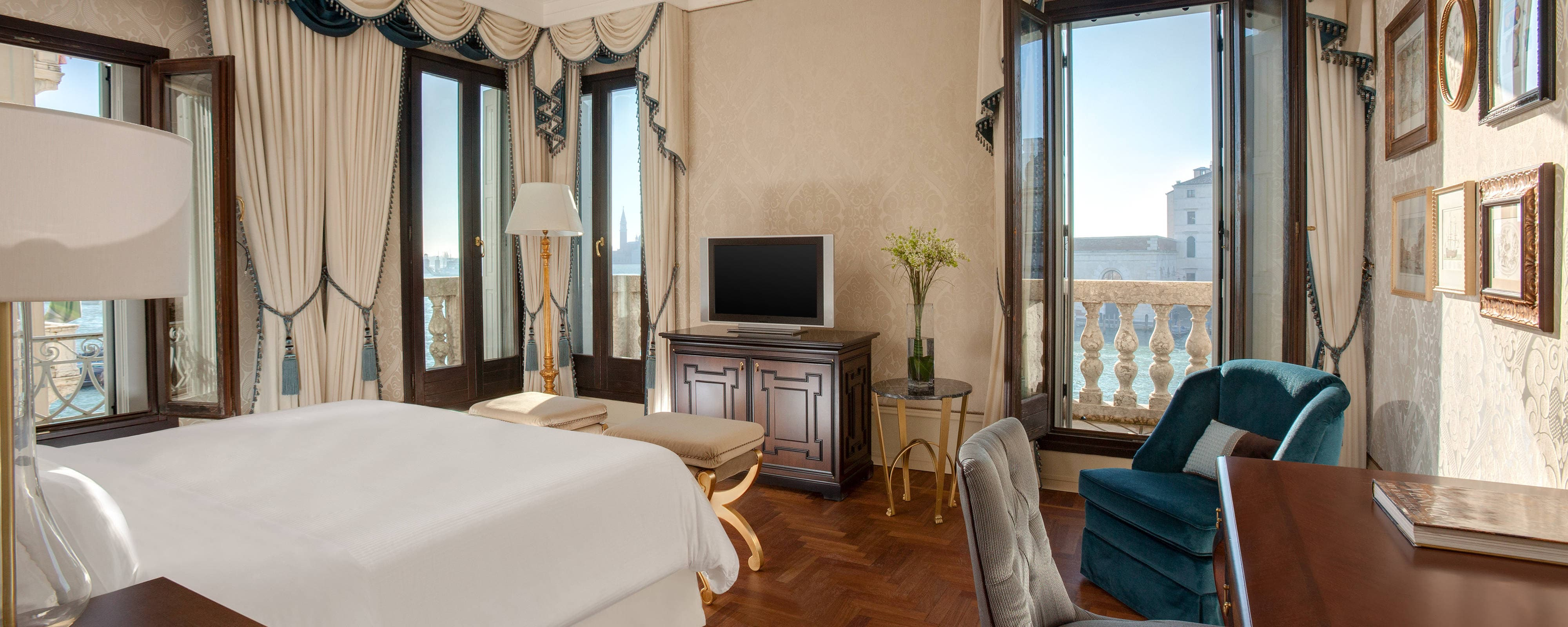 Stunning Grand Canal View Room