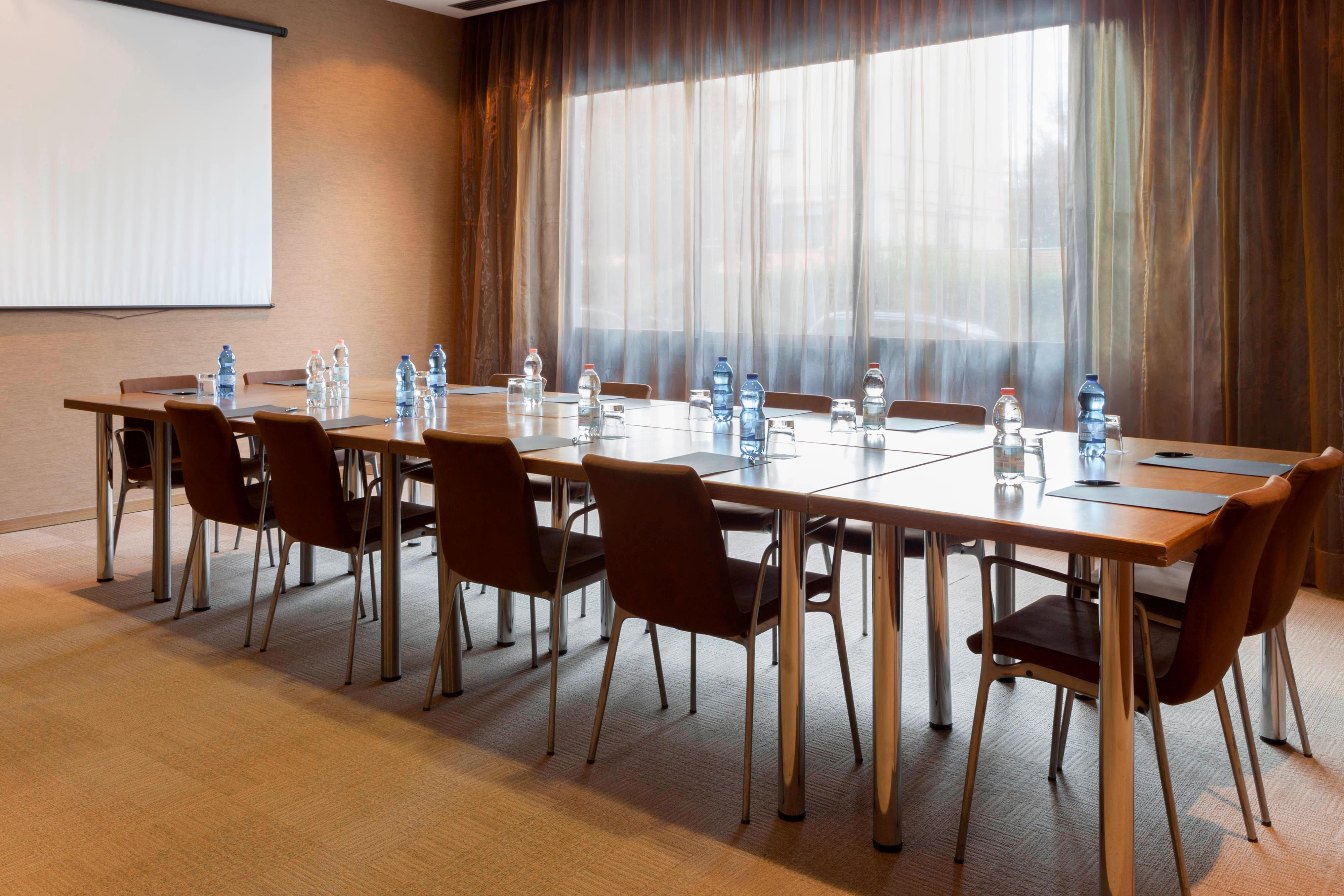 VICENZA_ITALY_MEETING_ROOMS