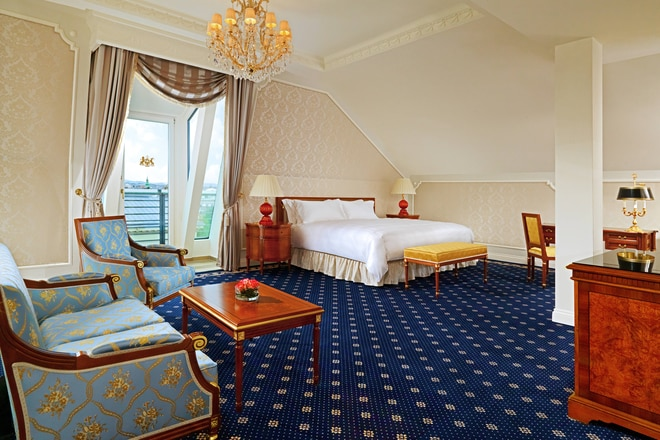 Executive Junior Suite blue