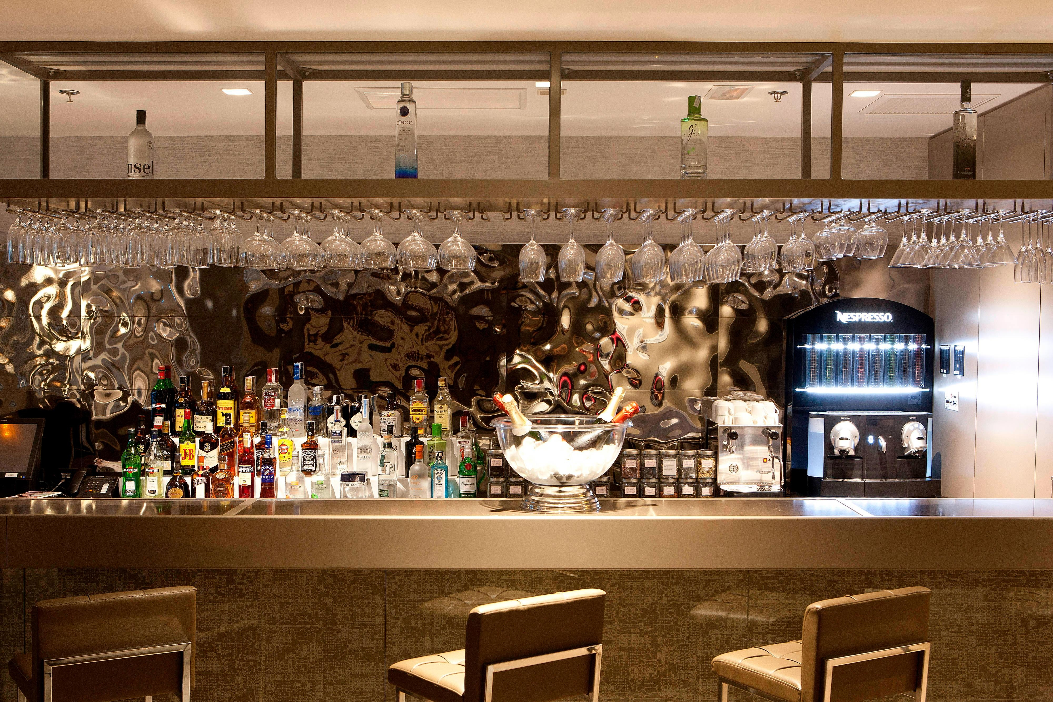 Hotel in Valencia with Bar