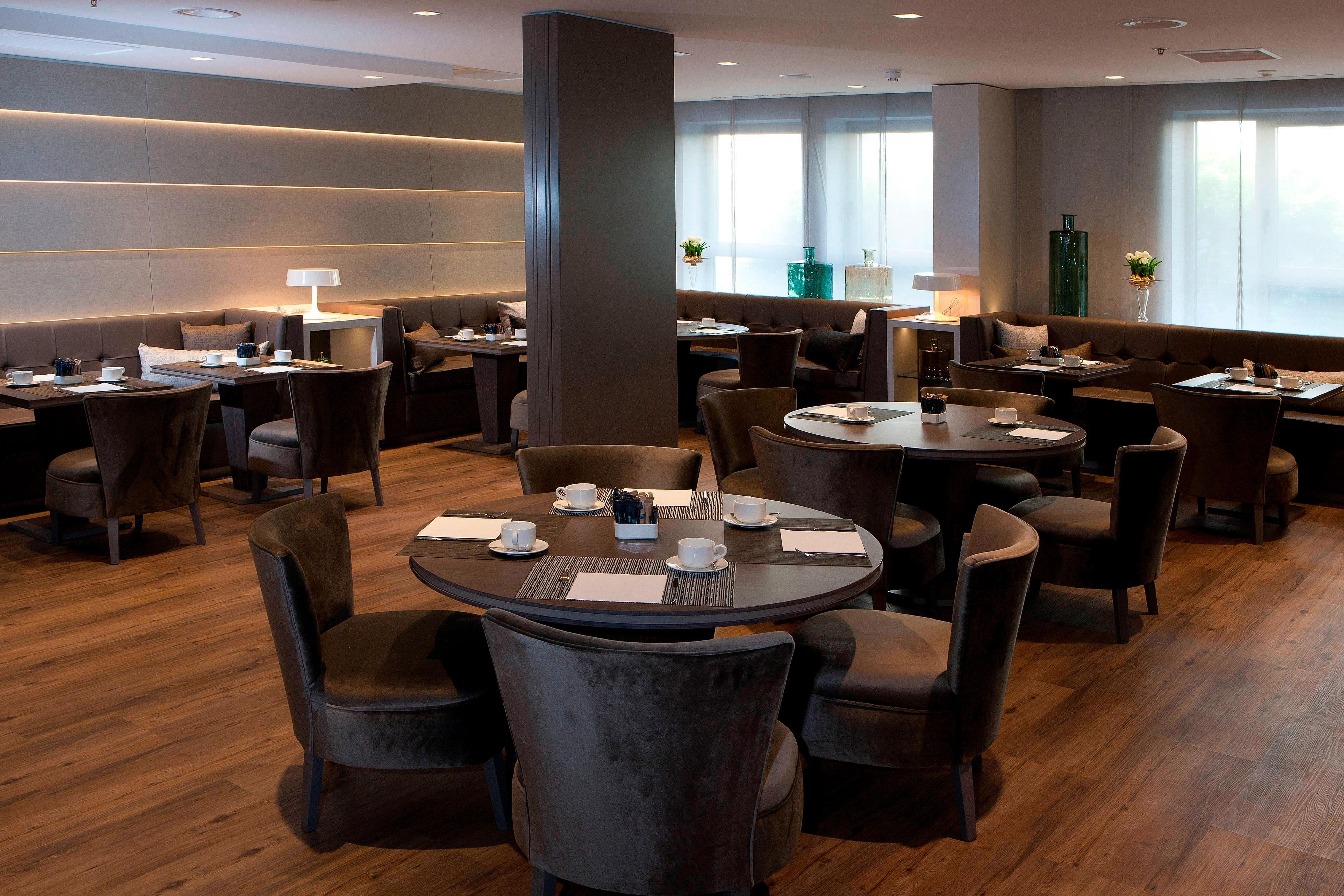 AC Hotel in Valencia with Restaurant