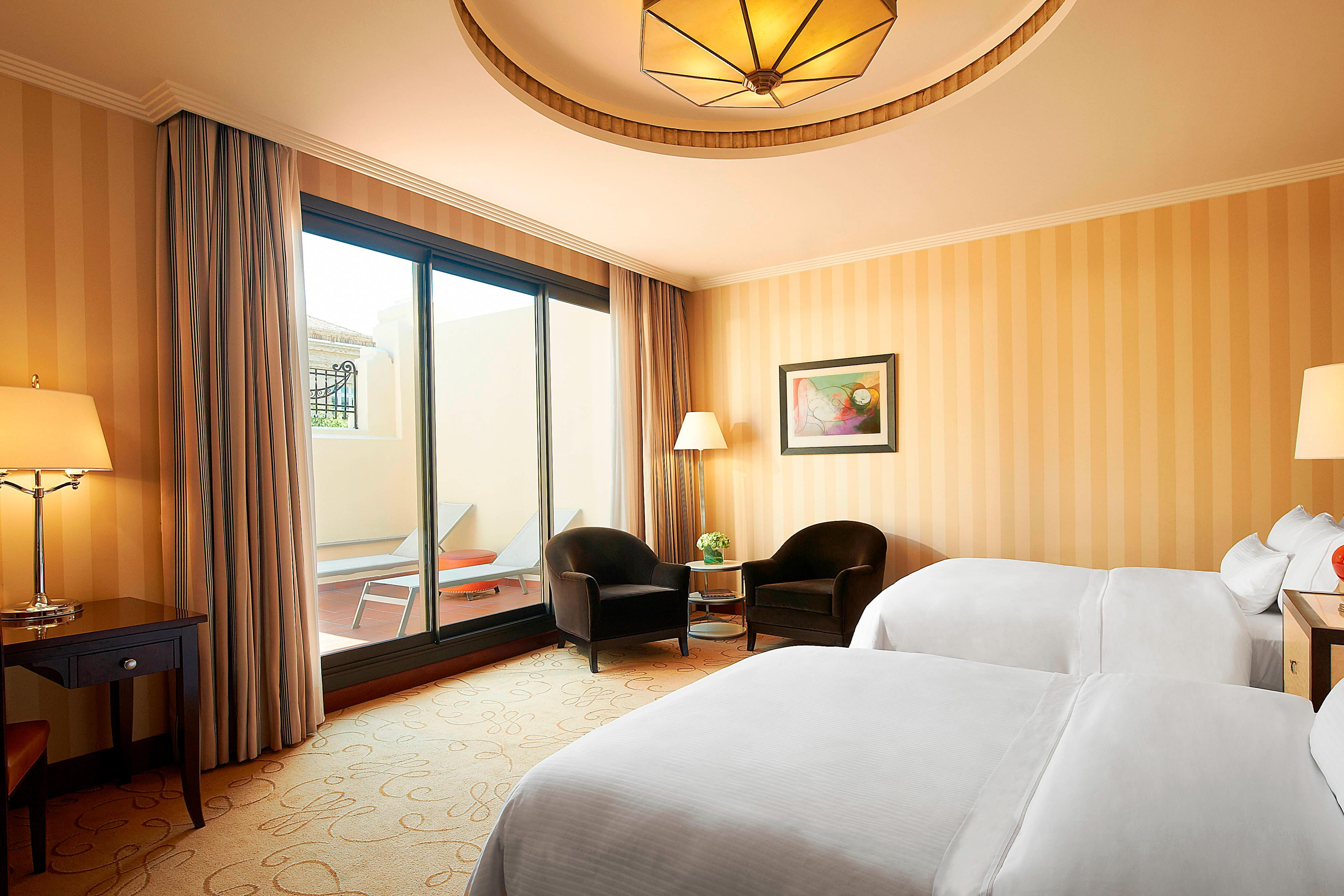Grand Twin Deluxe Guest Room Room