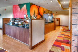 Destin Hotel with Free Breakfast