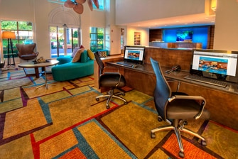 Fairfield Inn & Suites Business Center
