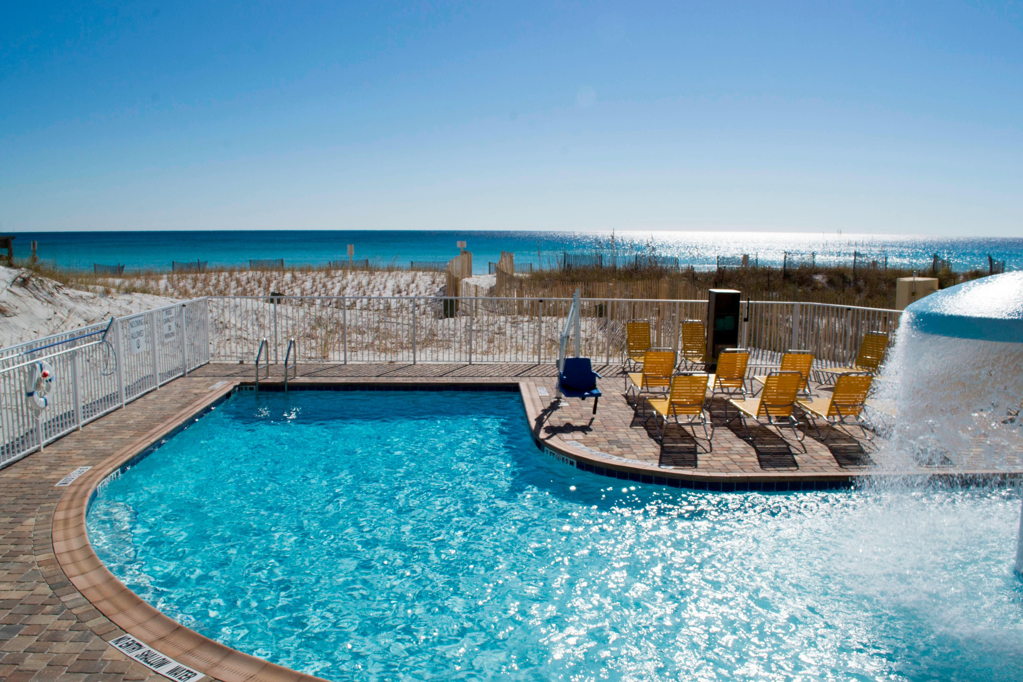 Fort Walton Hotel with Pool