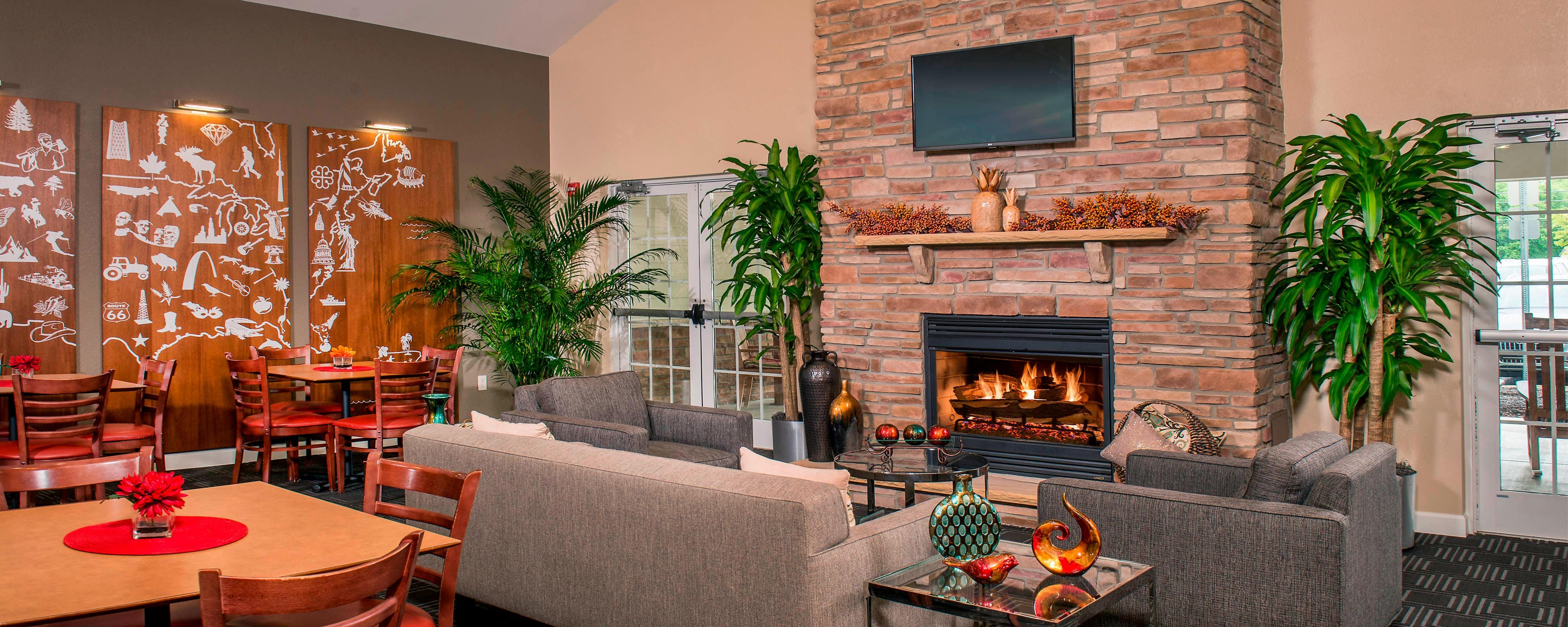 The Springhill Suites by Marriott Atlanta Six Flags welcomes you to beautiful Atlanta, GA. located 3 miles from Six Flags over Georgia, 15 minutes from downtown Atlanta, Hartsfield-Jackson International Airport & Gateway Center, our hotel assures you have everything necessary to inspire you to .