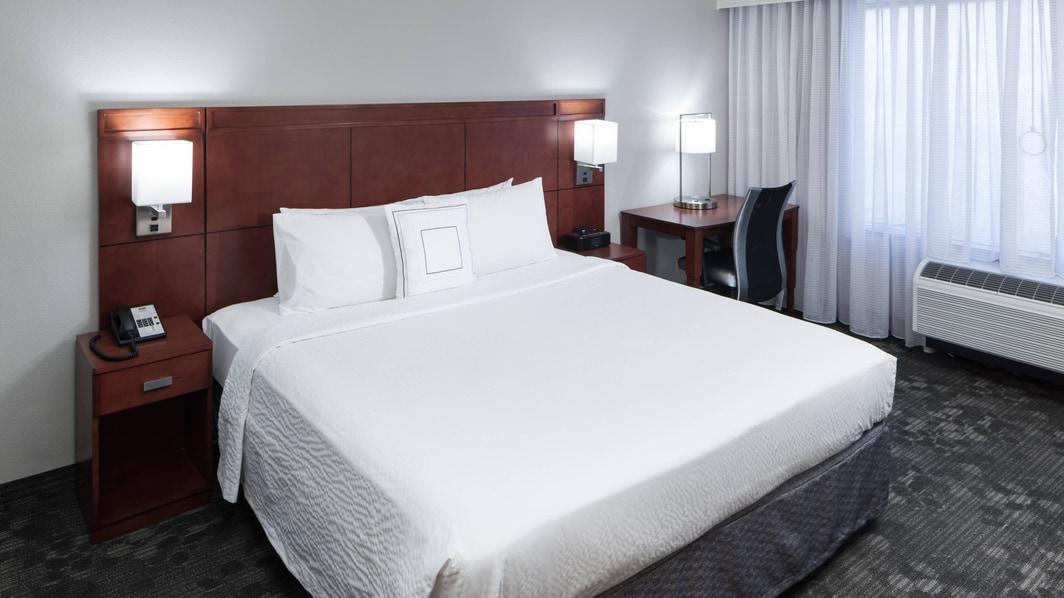 Ropa de cama del hotel en Alexandria