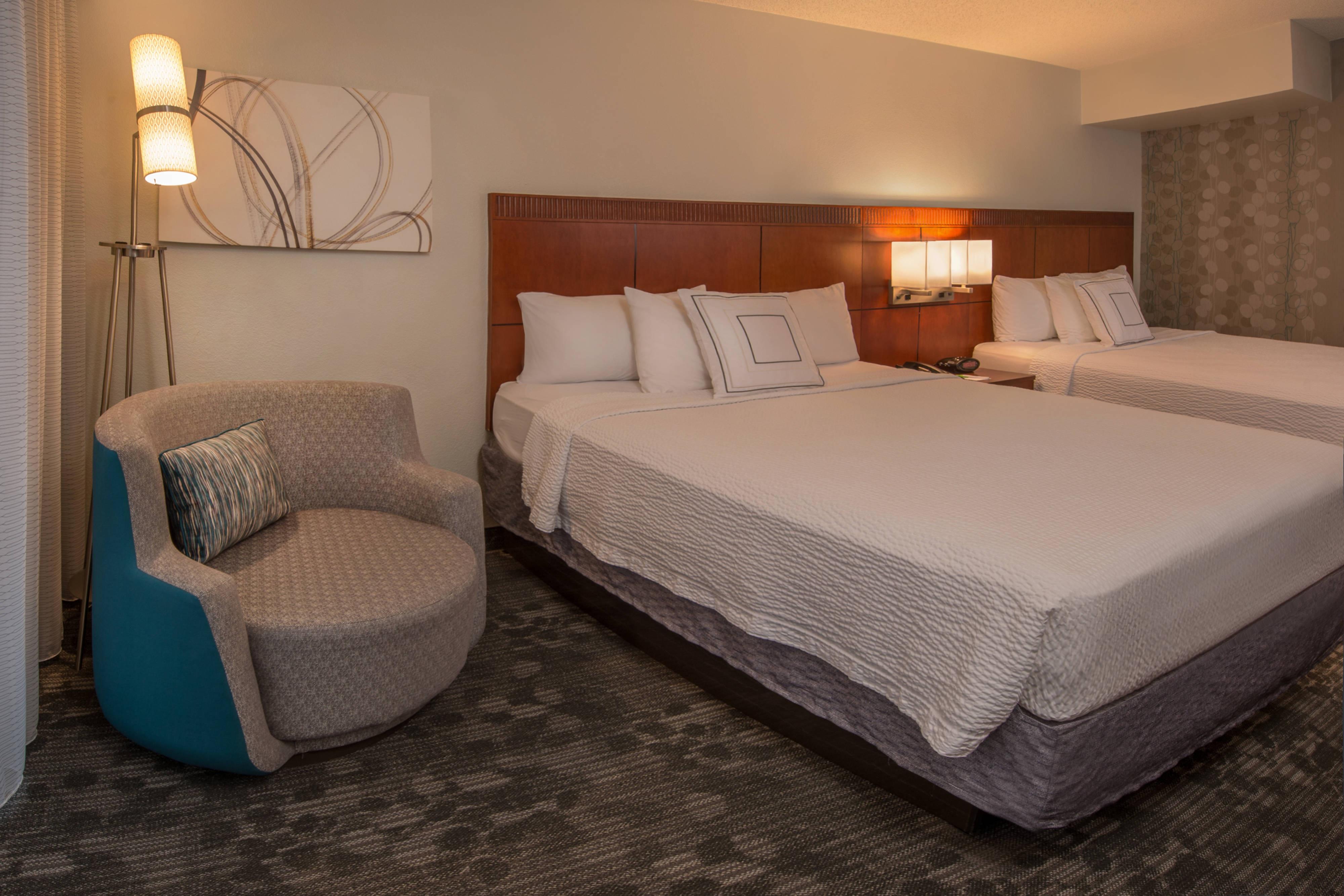 Suite à une chambre avec deux grands lits doubles