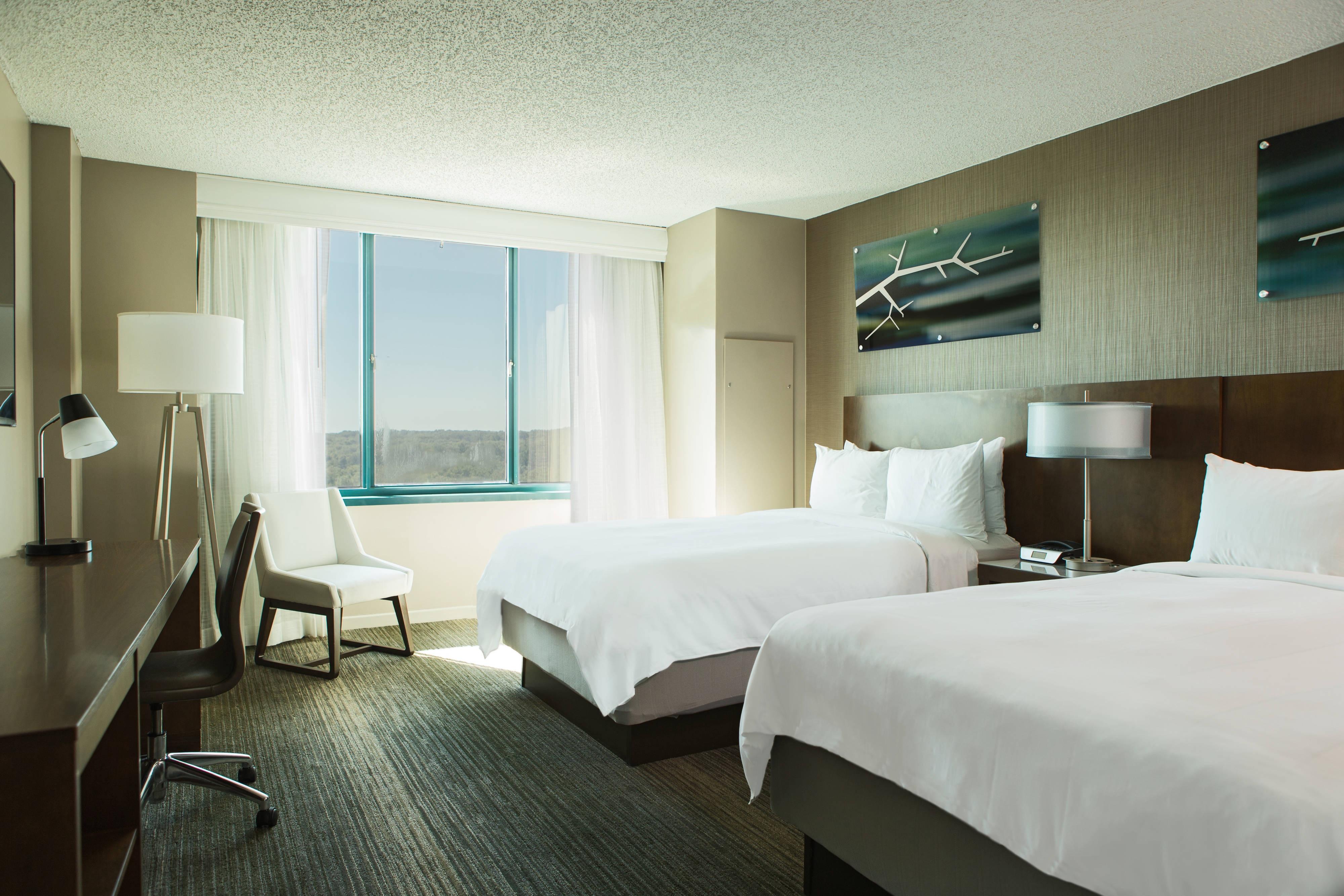 Falls Church Marriott Guest Room